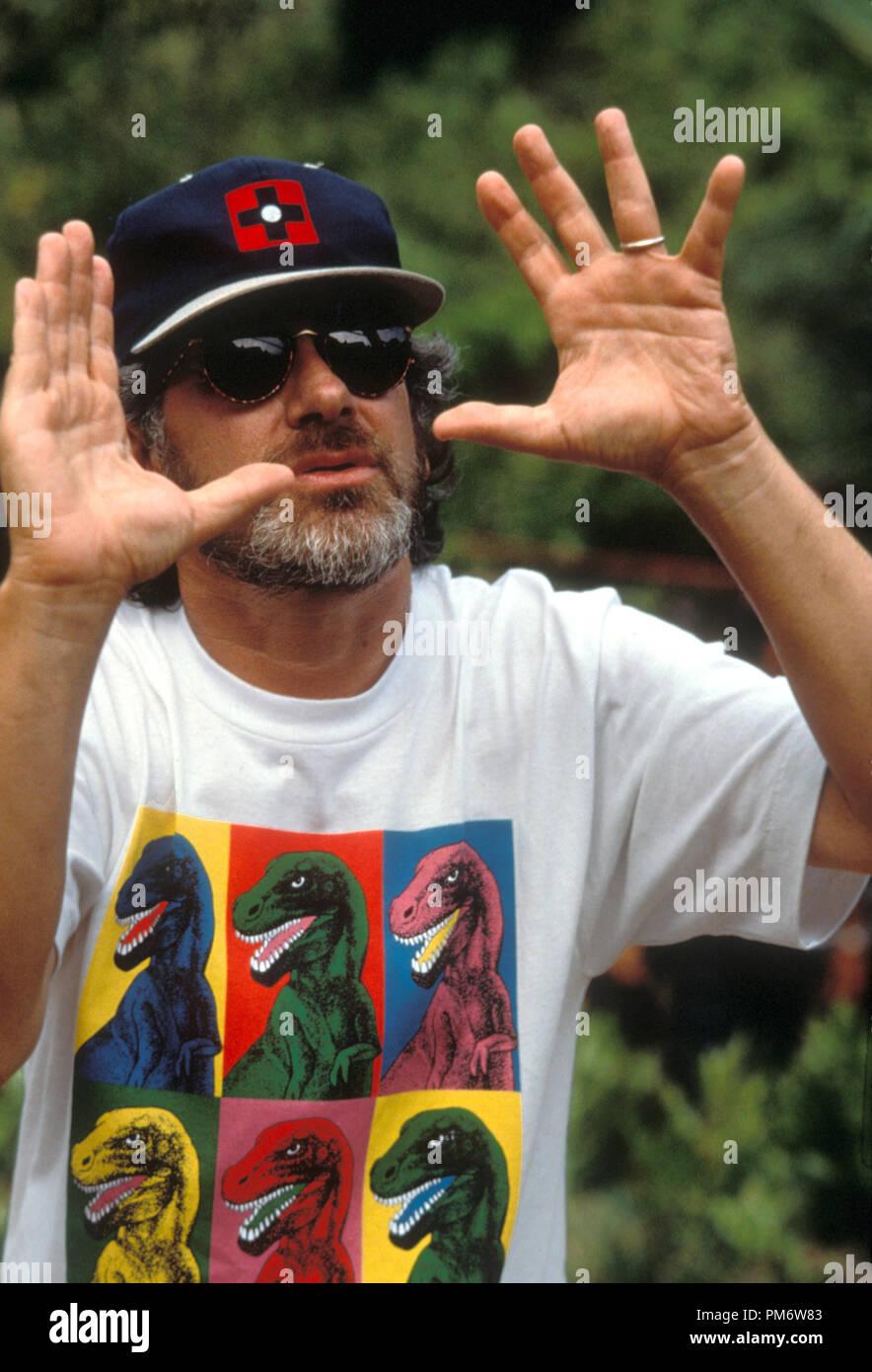 Film Still from 'Jurassic Park' Director Steven Spielberg © 1993 Universal Photo Credit: Murray Close - Stock Image