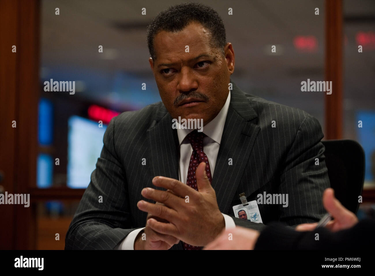 Laurence Fishburne As Dr Ellis Cheever In The Thriller Contagion A Warner Bros Pictures Release Stock Photo Alamy