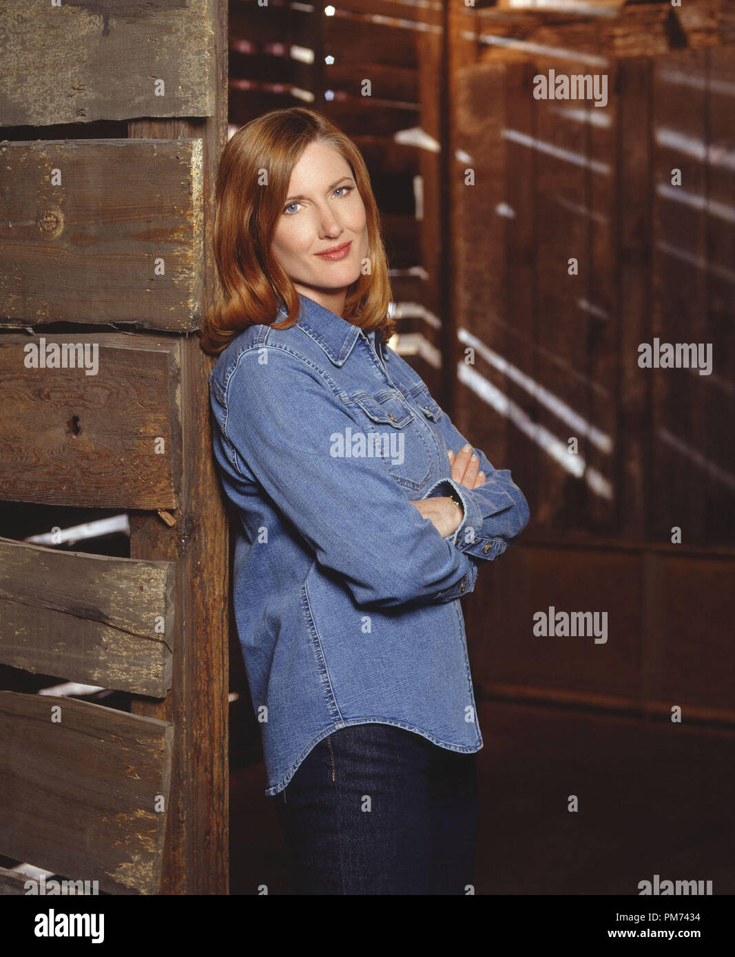 """Film Still / Publicity Still from """"Smallville""""  Annette O'Toole 2001 Photo credit: Kharen Hill    File Reference # 30847362THA  For Editorial Use Only -  All Rights Reserved Stock Photo"""