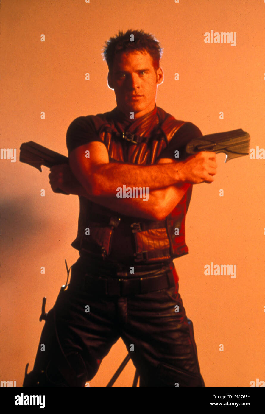 Film Still / Publicity Still from 'Farscape' Ben Browder © 1999 Sci-Fi Channel   File Reference # 30973310THA  For Editorial Use Only -  All Rights Reserved - Stock Image