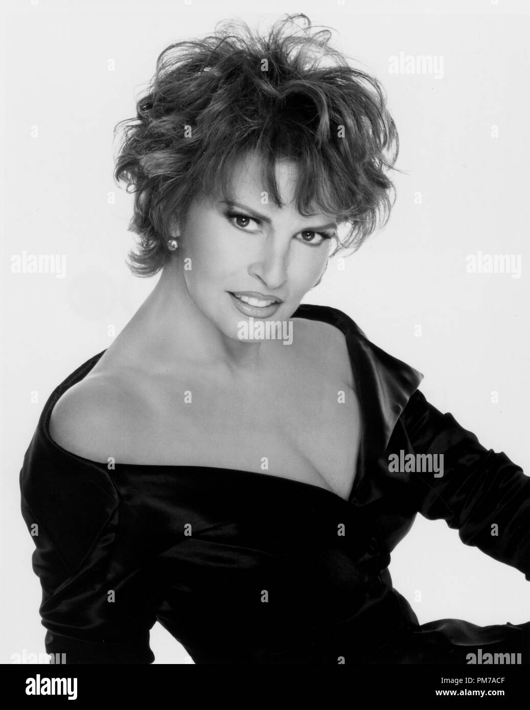 Film Still from 'Central Park West' Raquel Welch 1995   File Reference # 31042642THA  For Editorial Use Only - All Rights Reserved - Stock Image