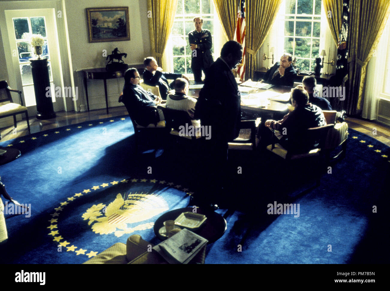 Film Still from 'Nixon' Anthony Hopkins, James Woods, David Paymer, Paul Sorvino, Kevin Dunn, E.G. Marshall, J.T. Walsh, Powers Boothe © 1995 Cinergi Photo Credit: Sidney Baldwin  File Reference # 31043174THA  For Editorial Use Only - All Rights Reserved - Stock Image
