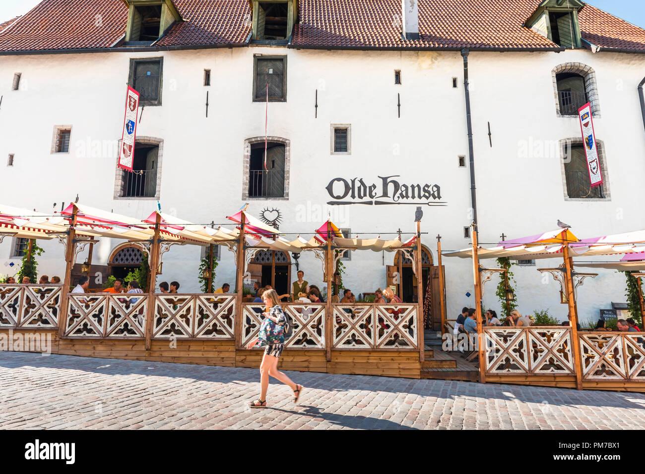 Tallinn restaurant, view of the famous Olde Hansa restaurant tavern in the center of the Old Town quarter of Tallinn, Estonia. - Stock Image