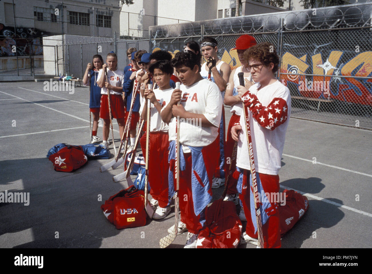 Film Still from 'D2: The Mighty Ducks' Marguerite Moreau, Colombe Jacobsen-Derstine, Vincent Larusso, Elden Henson, Joshua Jackson, Mike Vitar, Brandon Quintin Adams © 1994 Walt Disney Pictures Photo Credit: Dean Williams   File Reference # 31129372THA  For Editorial Use Only - All Rights Reserved - Stock Image