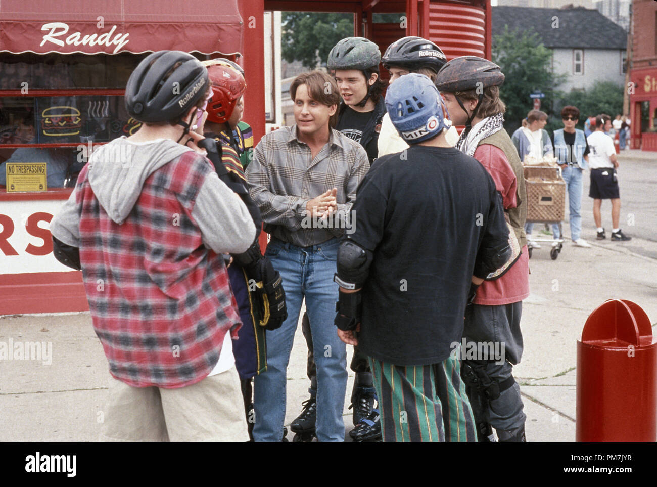 Film Still from 'D2: The Mighty Ducks' Emilio Estevez, Matt Doherty, Brandon Quintin Adams, Garette Ratliff Henson, Vincent Larusso, Shaun Weiss, Elden Henson © 1994 Walt Disney Pictures Photo Credit: Dean Williams   File Reference # 31129374THA  For Editorial Use Only - All Rights Reserved - Stock Image