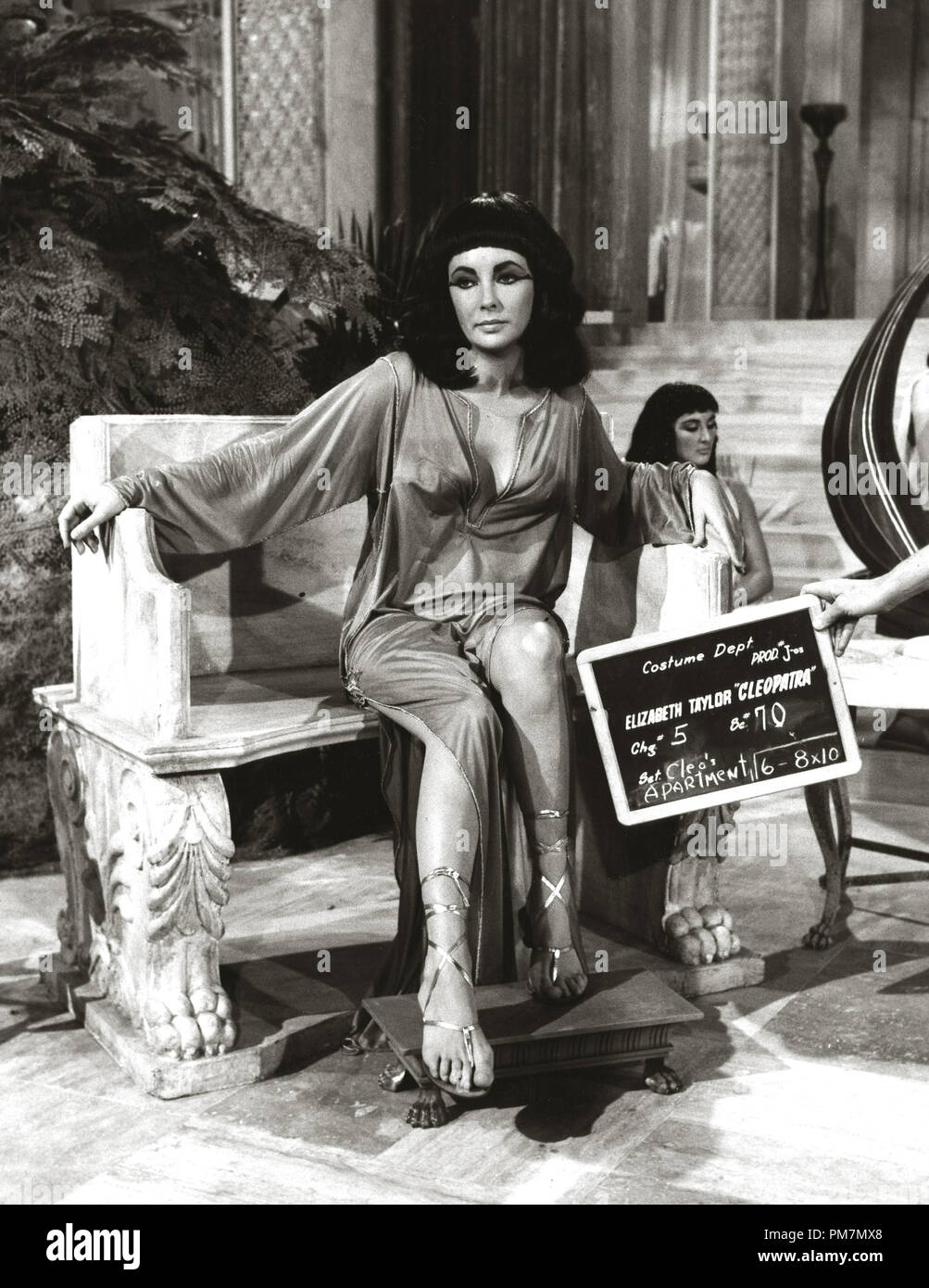 Cleopatra Movie Costume 1963 High Resolution Stock Photography And Images Alamy