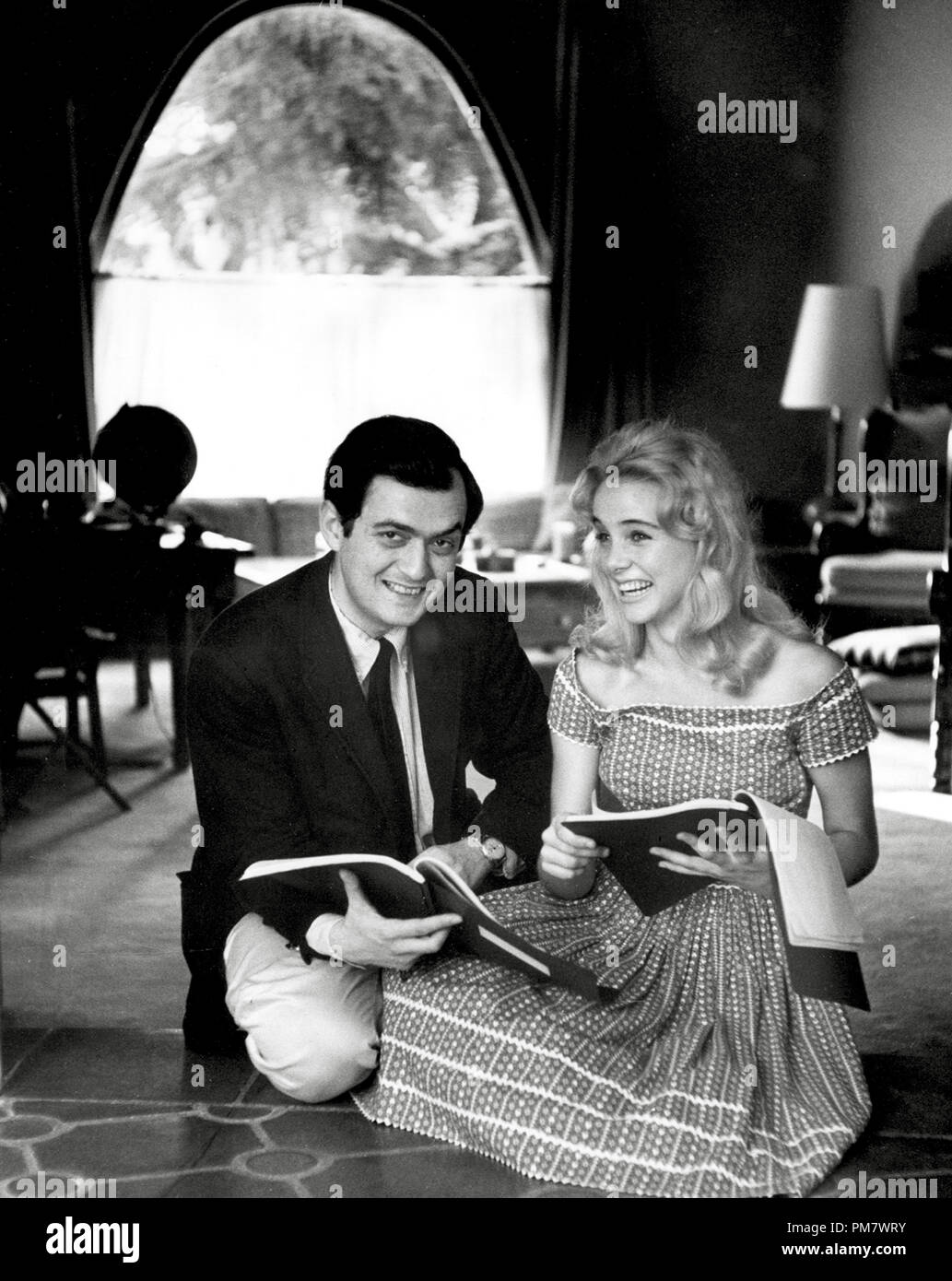 stanley-kubrick-and-sue-lyon-at-the-shoo