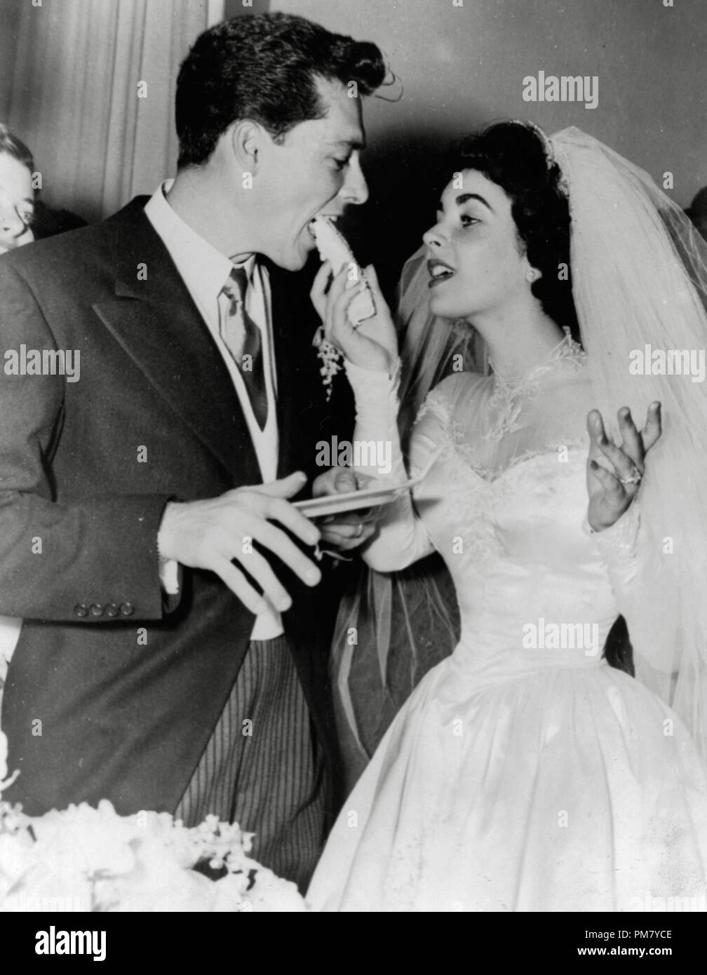 1950s 1940s Wedding High Resolution Stock Photography And Images Alamy