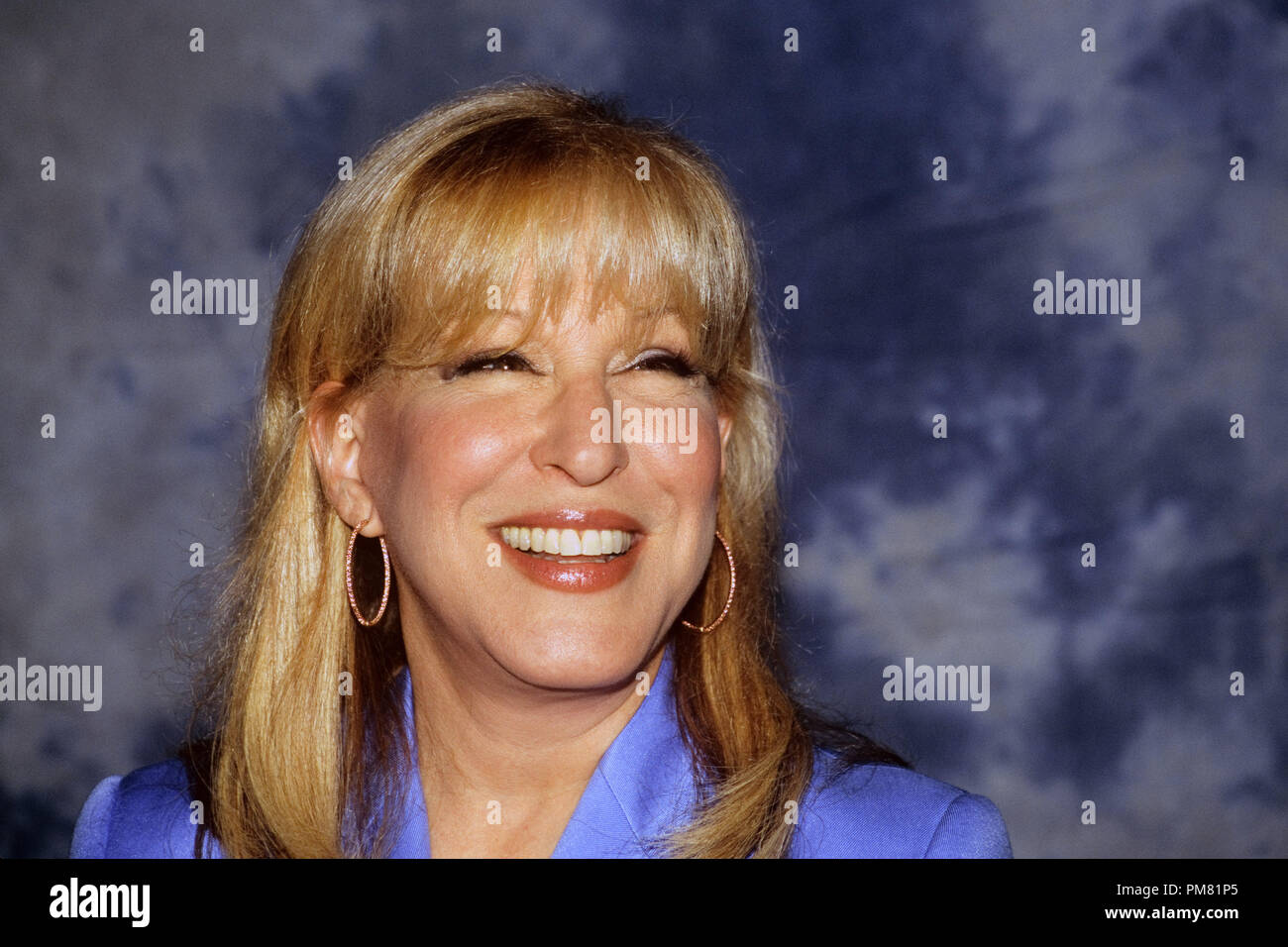 Bette Midler, 2004. Reproduction by American tabloids is absolutely forbidden. © JRC /The Hollywood Archive  -  All Rights Reserved  File Reference # 31315_015 - Stock Image