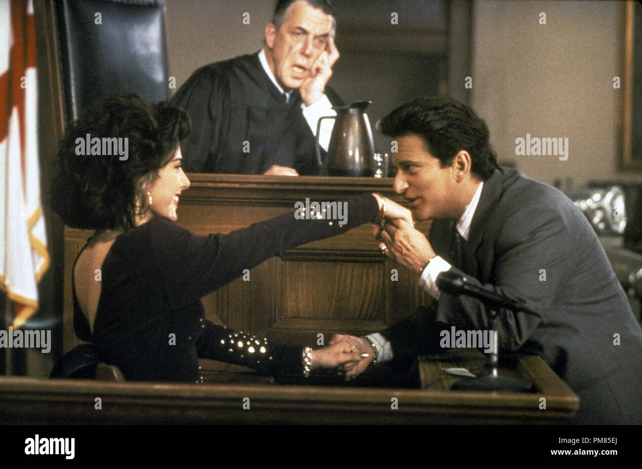 Film still or Publicity still from 'My Cousin Vinny' Marisa Tomei, Fred Gwynne, Joe Pesci © 1992 20th Century Fox Photo Credit: Ben Glass All Rights Reserved   File Reference # 31487_164THA  For Editorial Use Only - Stock Image