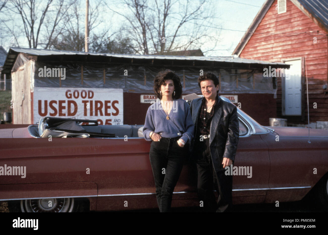 Film still or Publicity still from 'My Cousin Vinny' Marisa Tomei, Joe Pesci © 1992 20th Century Fox Photo Credit: Ben Glass All Rights Reserved   File Reference # 31487_166THA  For Editorial Use Only - Stock Image