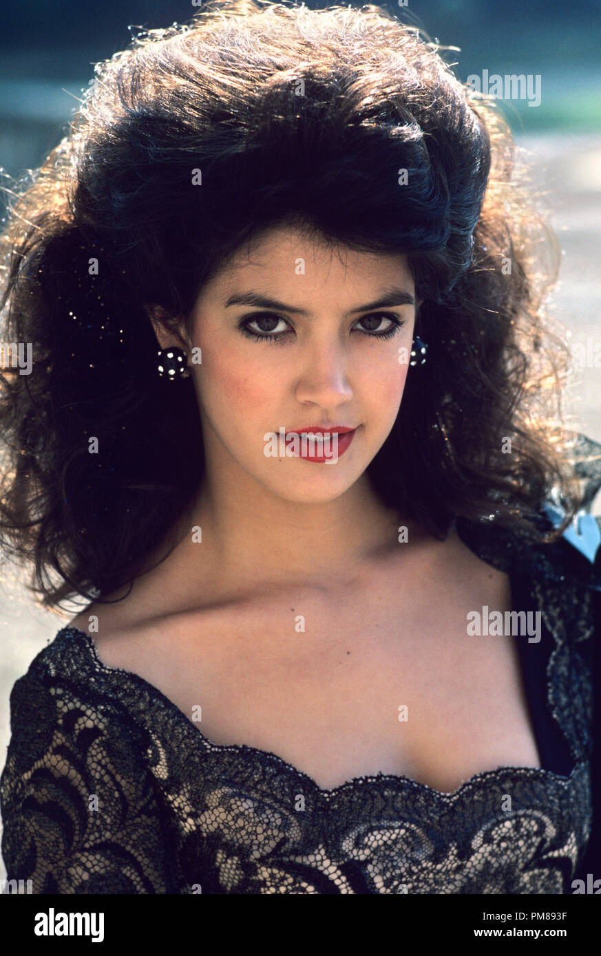 Phoebe Cates Nude Photos 1