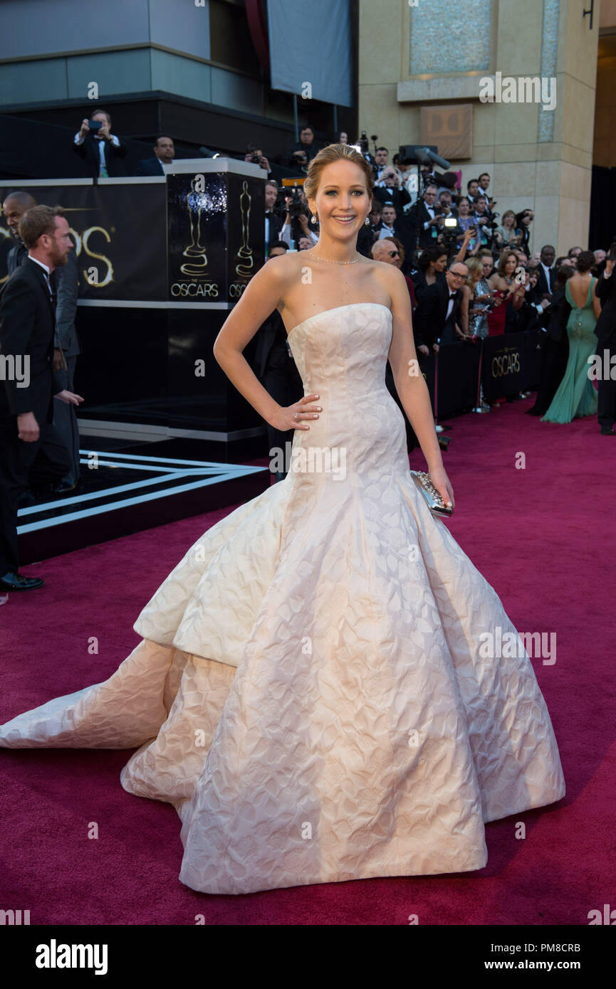 Jennifer Lawrence Pics, Wedding, Husband, Wiki, Biography   celebrity gossip   celebrity news