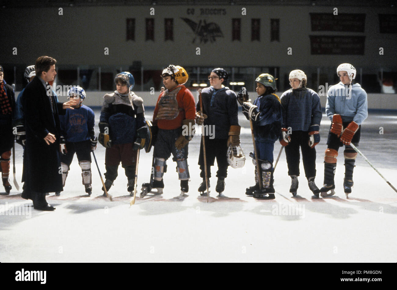 Film still or Publicity still from 'The Mighty Ducks' Emilio Estevez, Joshua Jackson, J.D. Daniels, Aaron Schwartz, Shaun Weiss, Jussie Smollett, Elden Henson, Marguerite Moreau © 1992 Walt Disney Pictures Photo Credit: Deborah Croswell  All Rights Reserved   File Reference # 31487_298THA  For Editorial Use Only - Stock Image