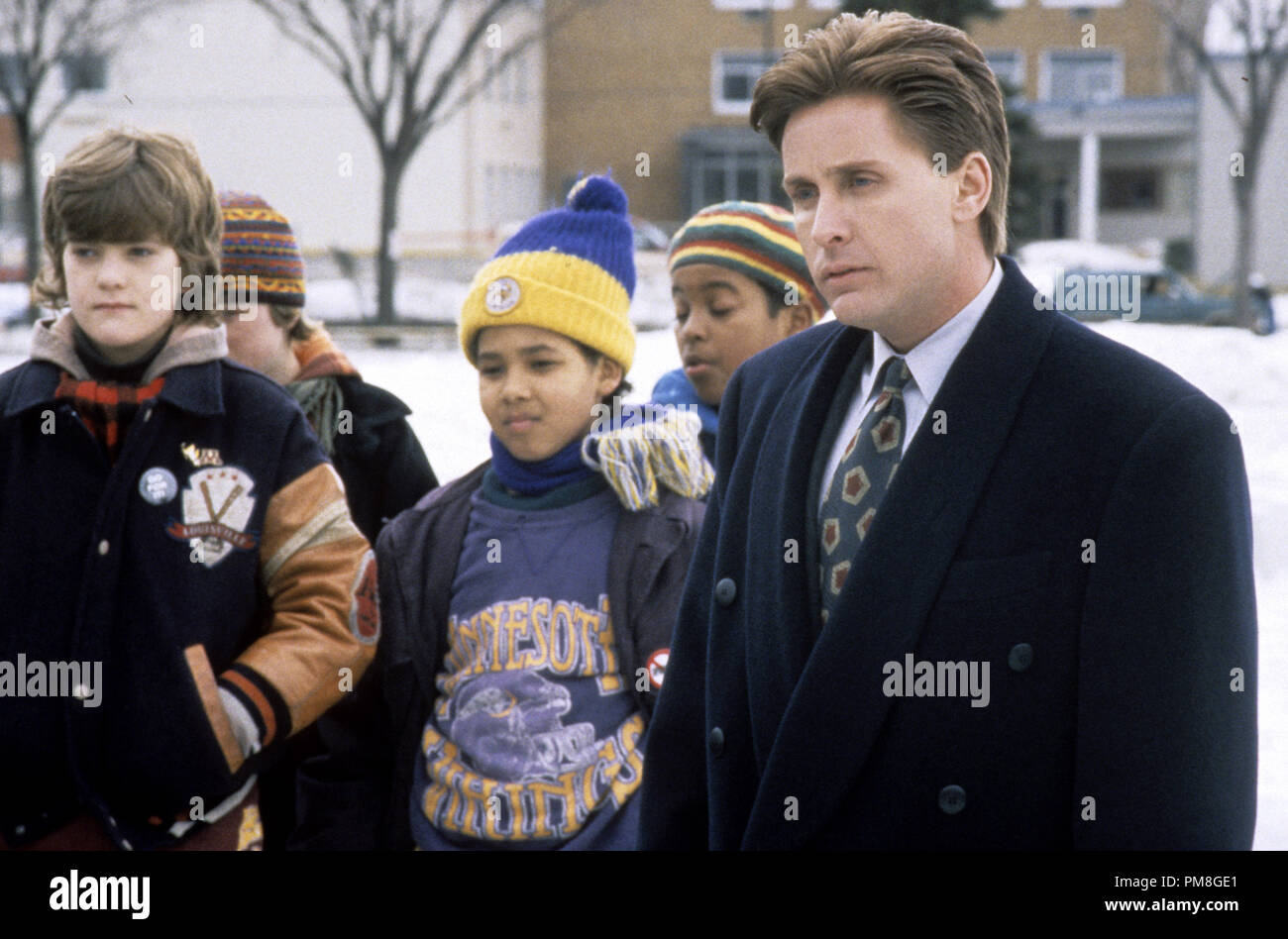 Film still or Publicity still from 'The Mighty Ducks' Joshua Jackson, Emilio Estevez © 1992 Buena Vista Pictures Photo Credit: Deborah Croswell  All Rights Reserved   File Reference # 31487_299THA  For Editorial Use Only - Stock Image