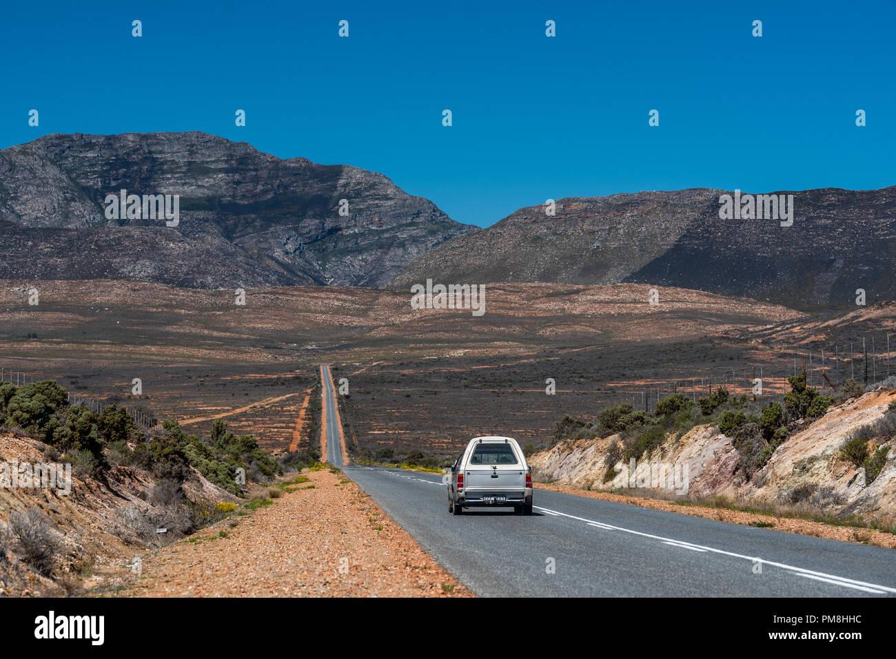 road at Langeberg, Klein Karoo, South Africa - Stock Image