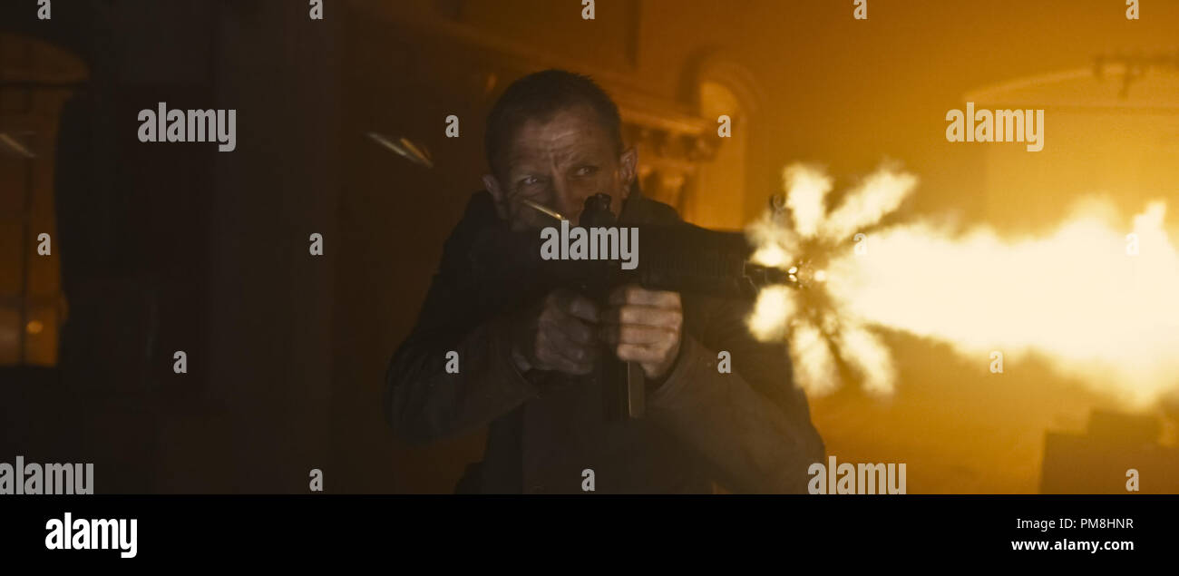 Daniel Craig stars as James Bond in Metro-Goldwyn-Mayer Pictures/Columbia Pictures/EON Productions action adventure SKYFALL. - Stock Image