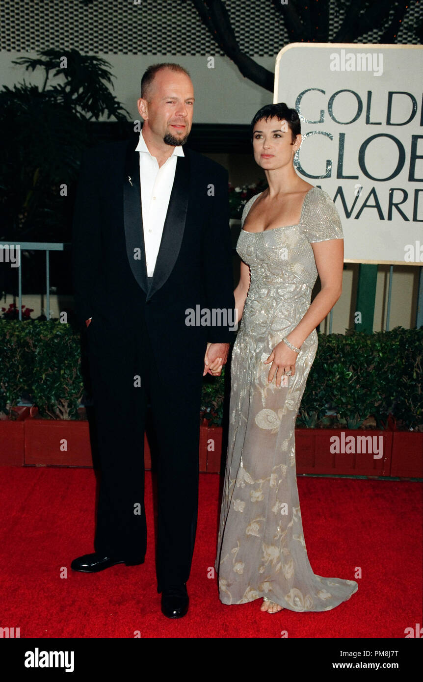 Bruce Willis and Demi Moore at 1997 Golden Globe Awards © JRC /The Hollywood Archive  -  All Rights Reserved  File Reference # 31515_278 - Stock Image