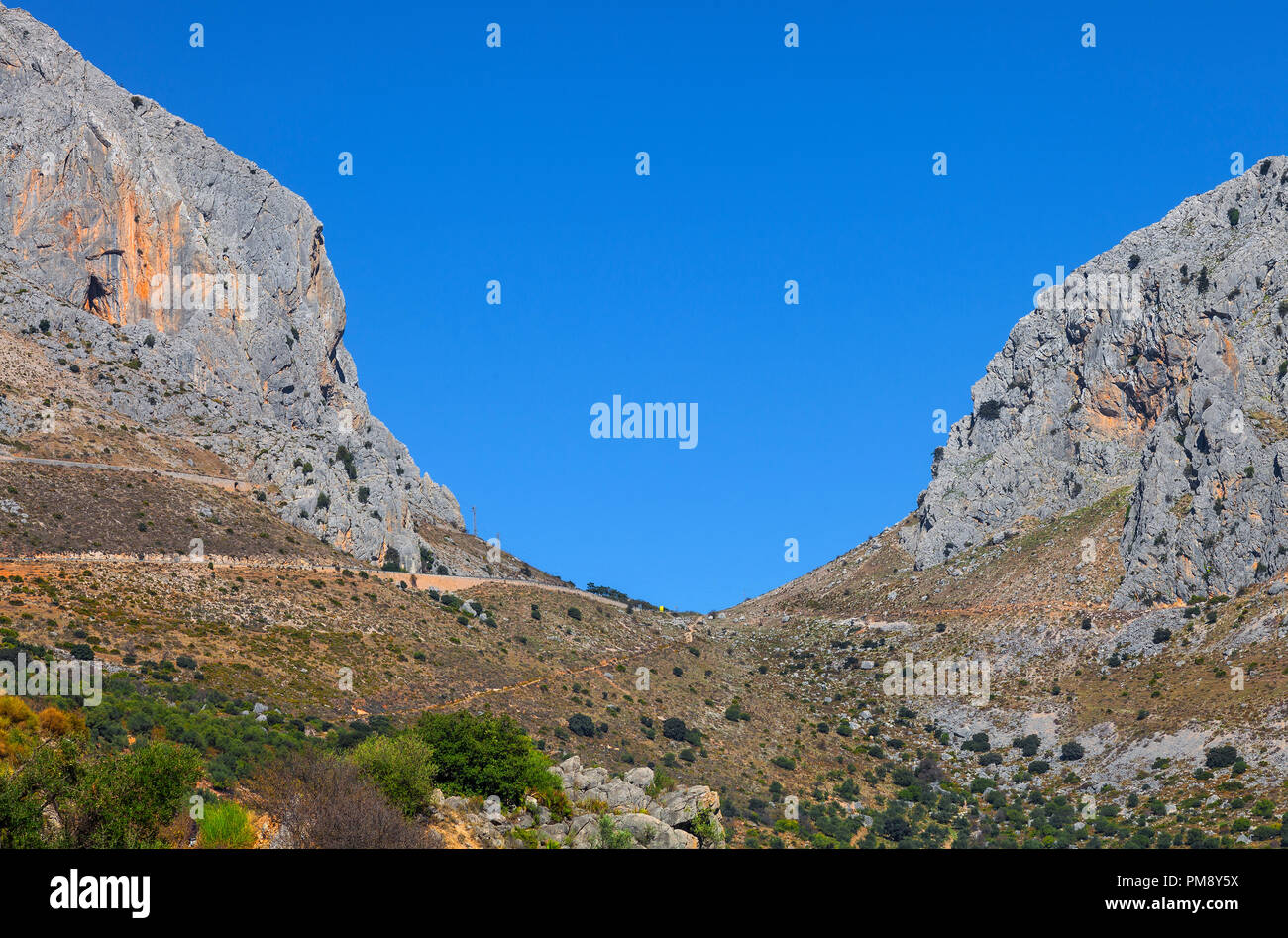 El Boquete de Zafarraya, a mountain pass of the Cordillera Penibética , located in the Sierra de Alhama , between the provinces of Málaga and Granada  - Stock Image