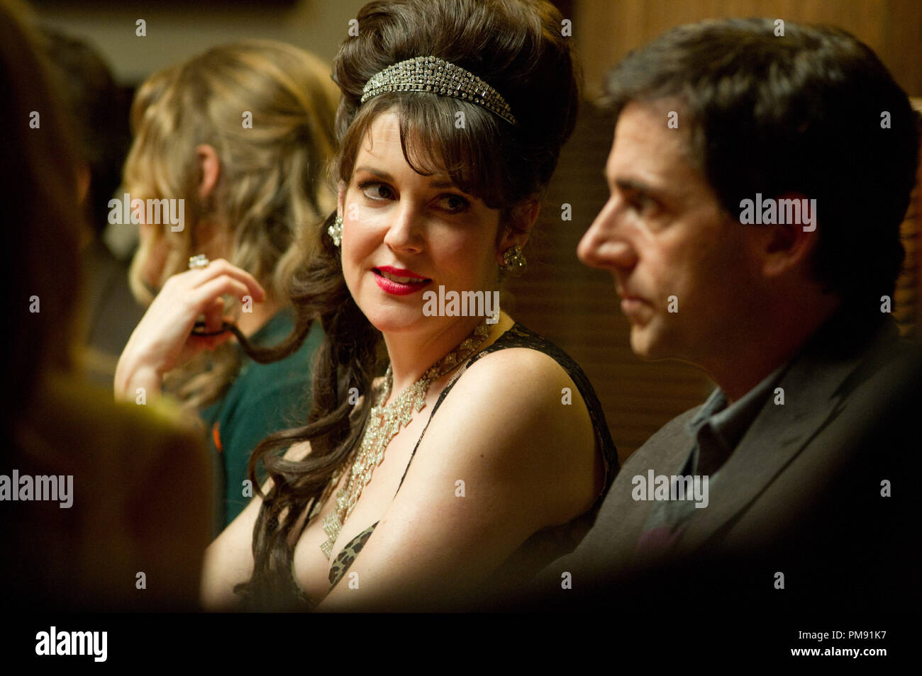 (l to r.) Melanie Lynskey stars as Karen and Steve Carell stars as Dodge in Lorene Scafaria's SEEKING A FRIEND FOR THE END OF THE WORLD, a Focus Features release. - Stock Image