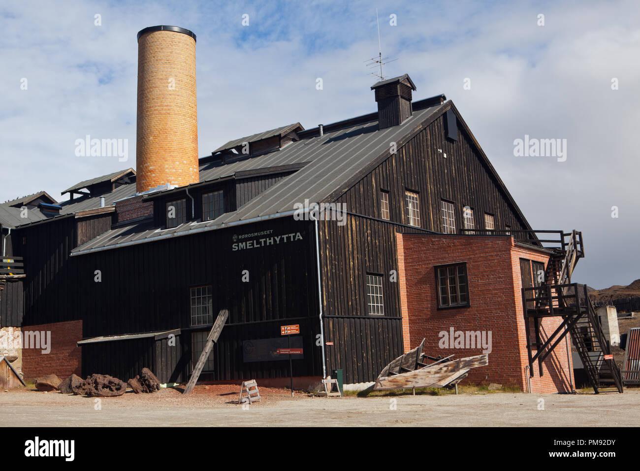 Rundgang durch das UNESCO Weltkulturerbe Röros, einer alten Bergbausiedlung in Norwegen - Stock Image