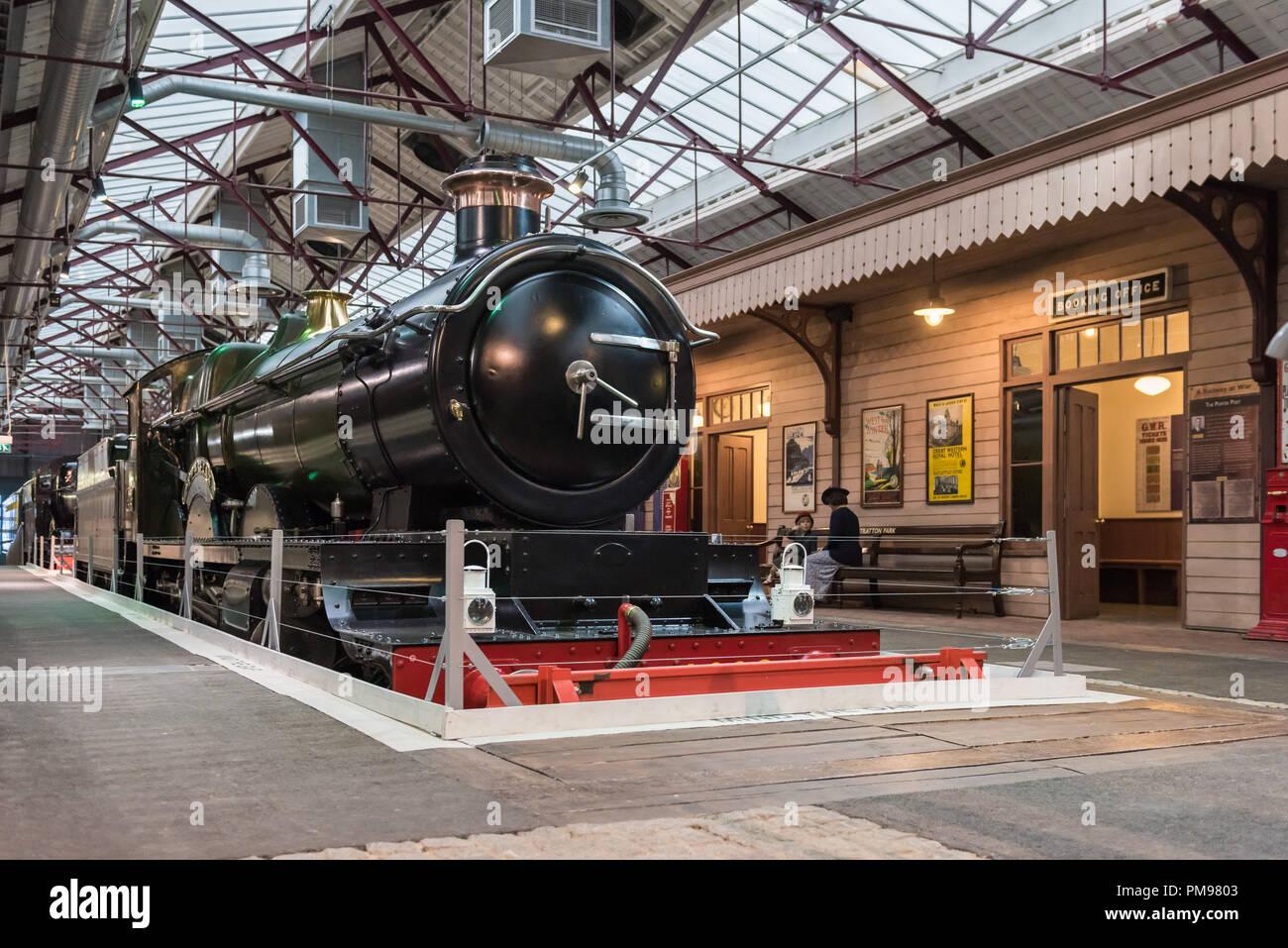 4003 Lode Star GWR locomotive, STEAM, Great Western Railway Museum, Swindon, UK - Stock Image