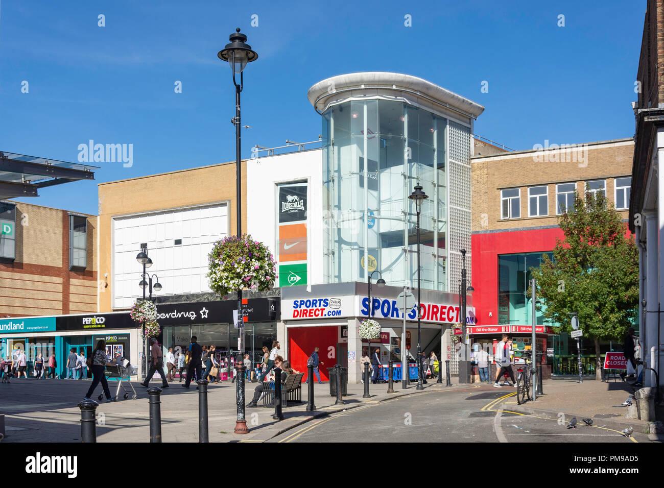 High Street, Uxbridge, London Borough of Hillingdon, Greater London, England, United Kingdom - Stock Image