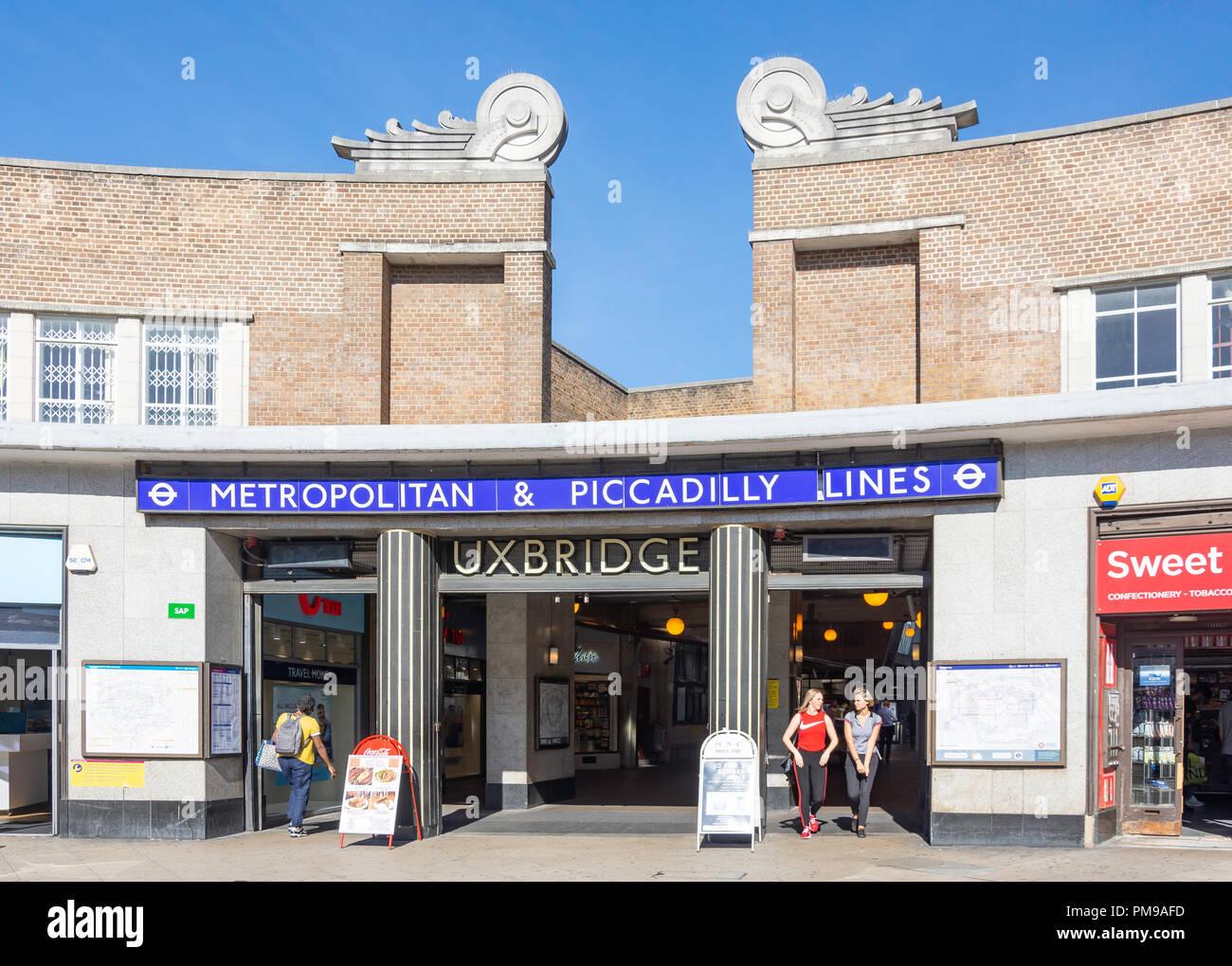 Uxbridge Underground Station, High Street, Uxbridge, London Borough of Hillington, Greater London, England, United Kingdom - Stock Image