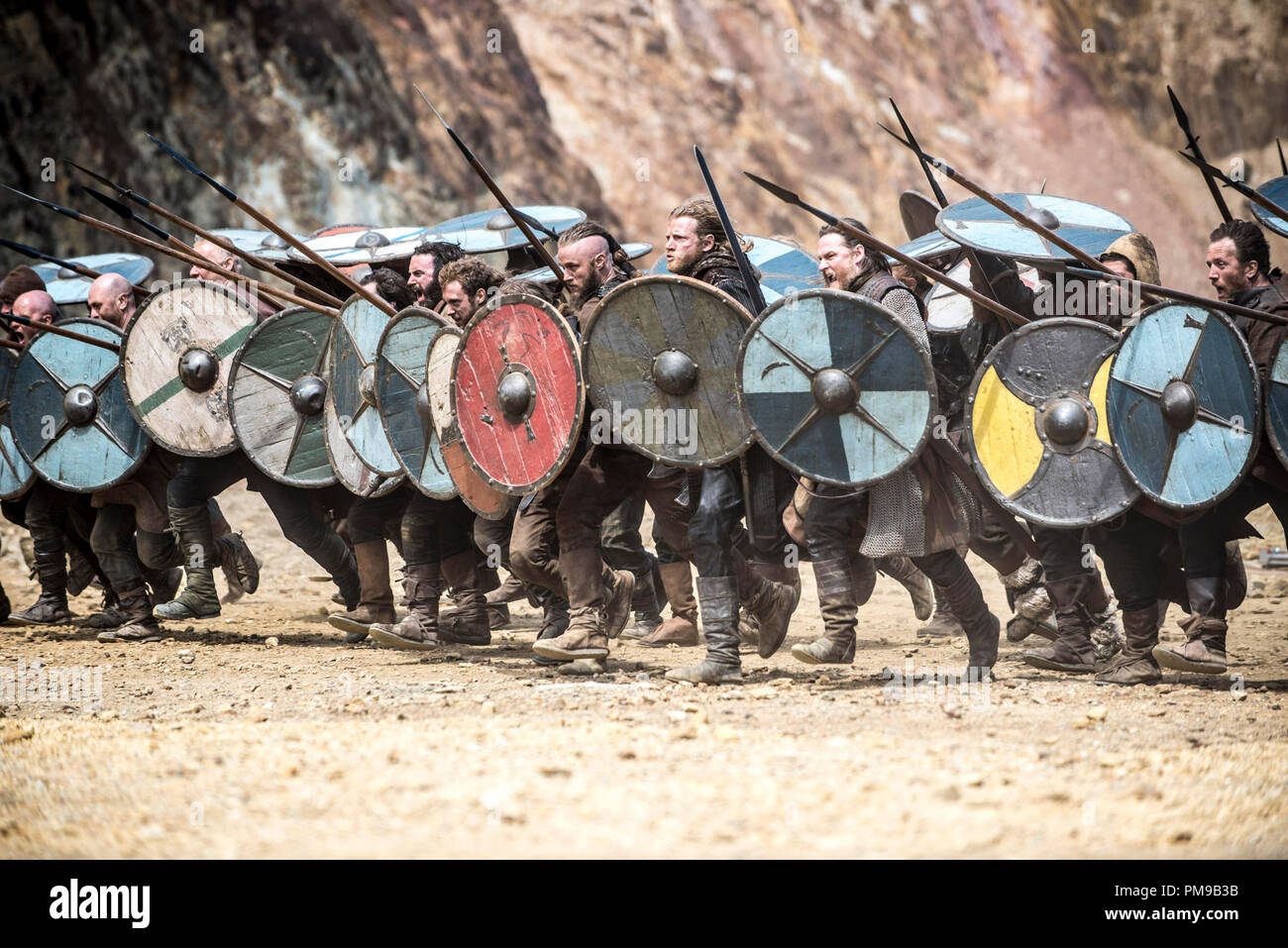 'Vikings' Season 2 (2014)  Ragnar's army charges into battle - Stock Image