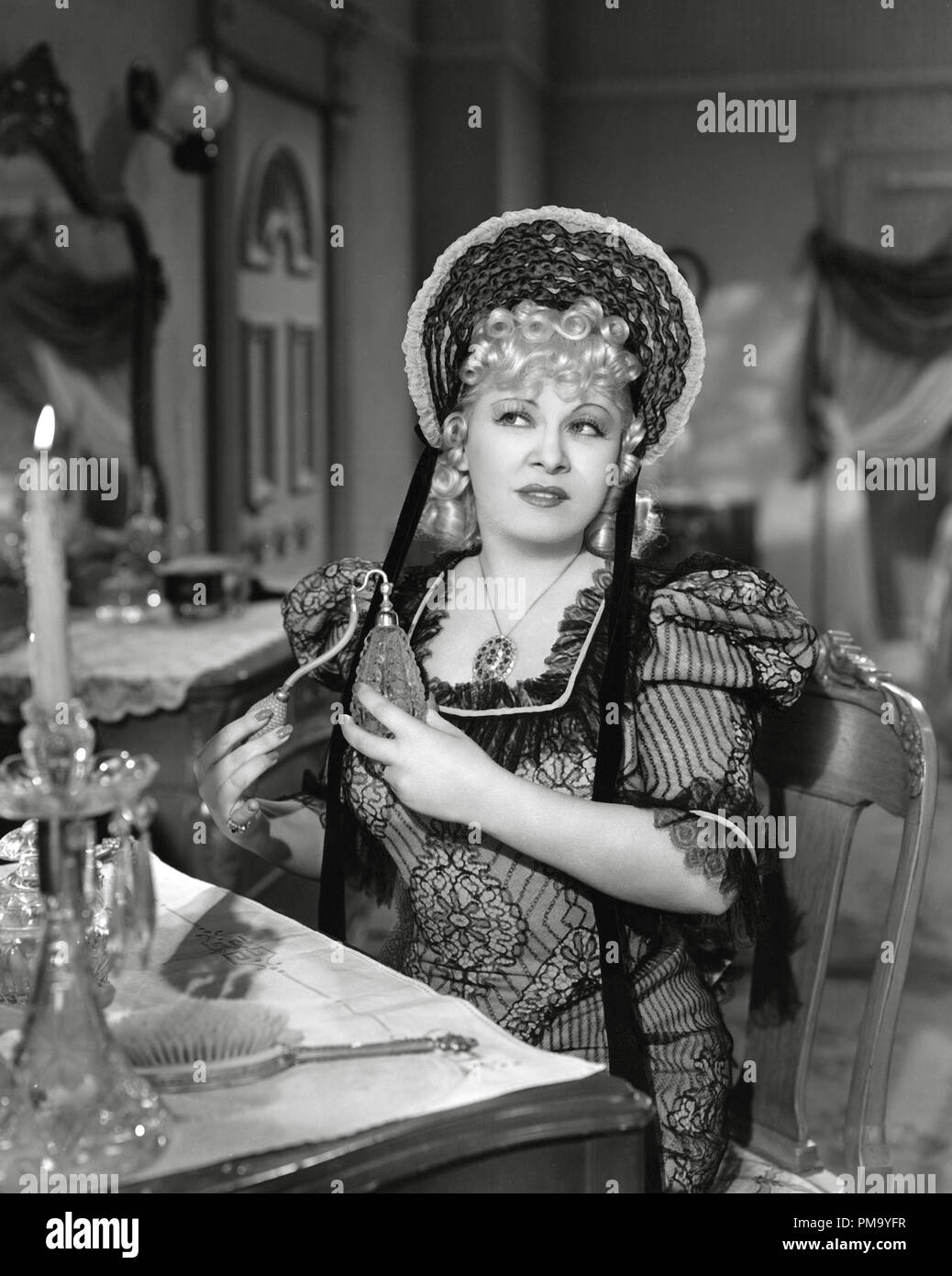 Studio Publicity Still: 'My Little Chickadee' Mae West 1940 Universal  File Reference # 31780_138THA - Stock Image
