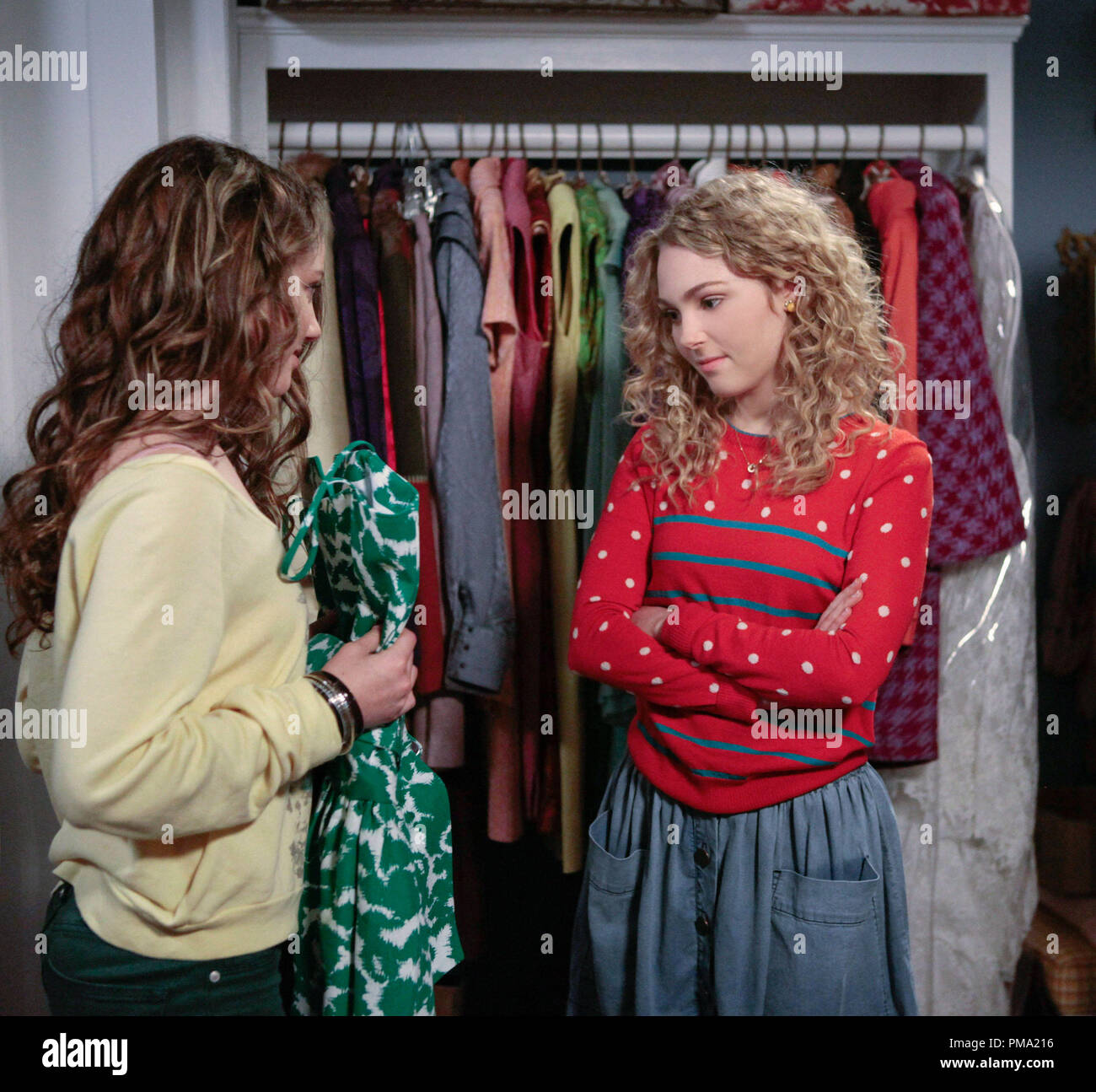 Still of AnnaSophia Robb and Stefania Owen in The Carrie Diaries - Stock Image