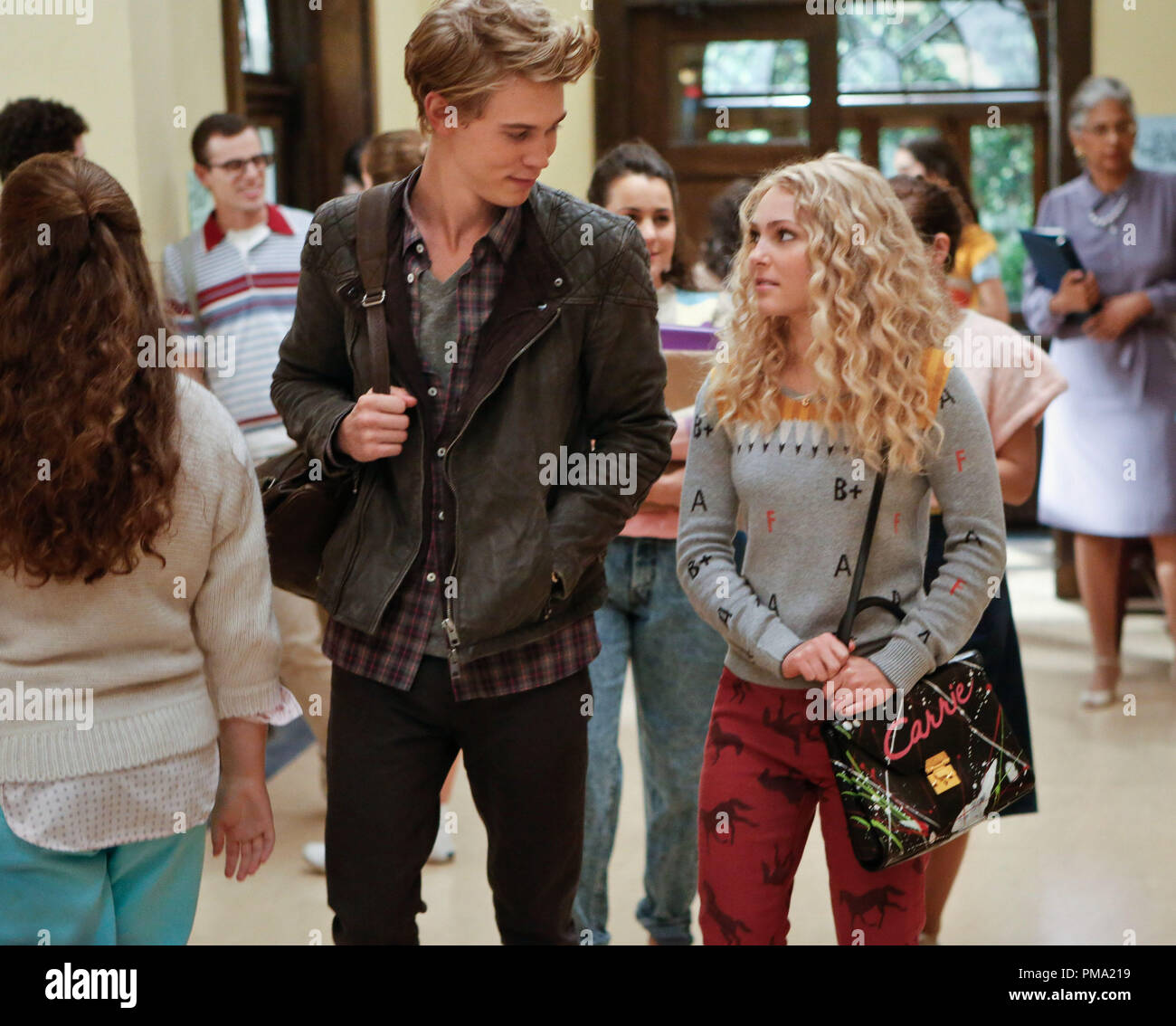 Still of AnnaSophia Robb and Austin Butler in The Carrie Diaries - Stock Image