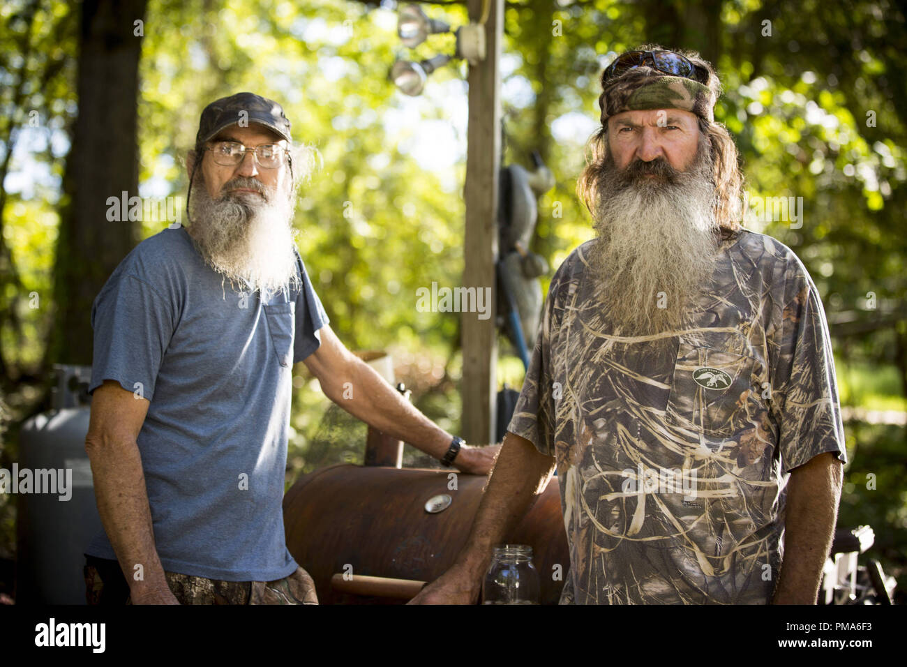 (L) to (R): Si Robertson and Phil Robertson - Stock Image