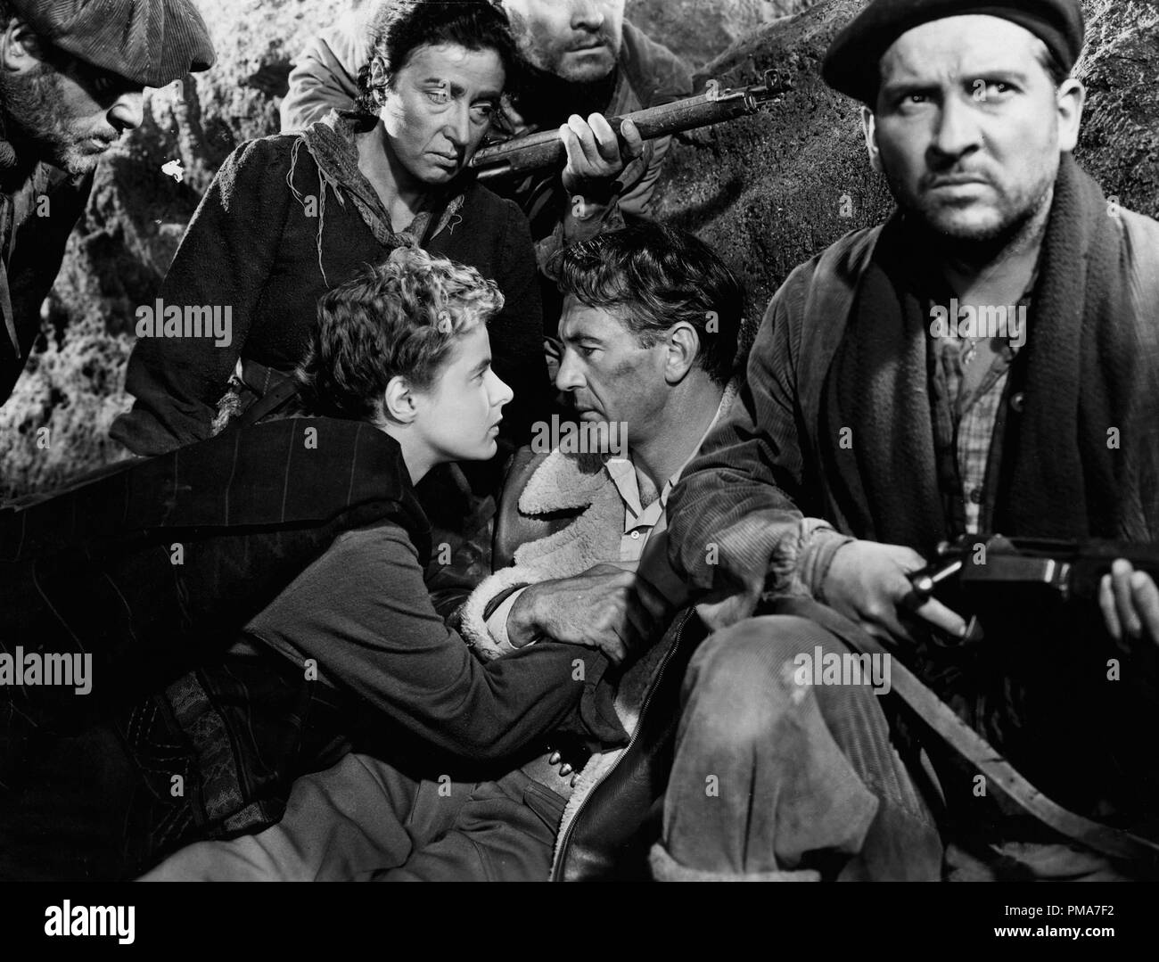 Ingrid Bergman, Gary Cooper, Arturo de Cordova and Katina Paxinou, 'For Whom The Bell Tolls', 1943 Paramount Pictures     File Reference # 32263_353THA - Stock Image