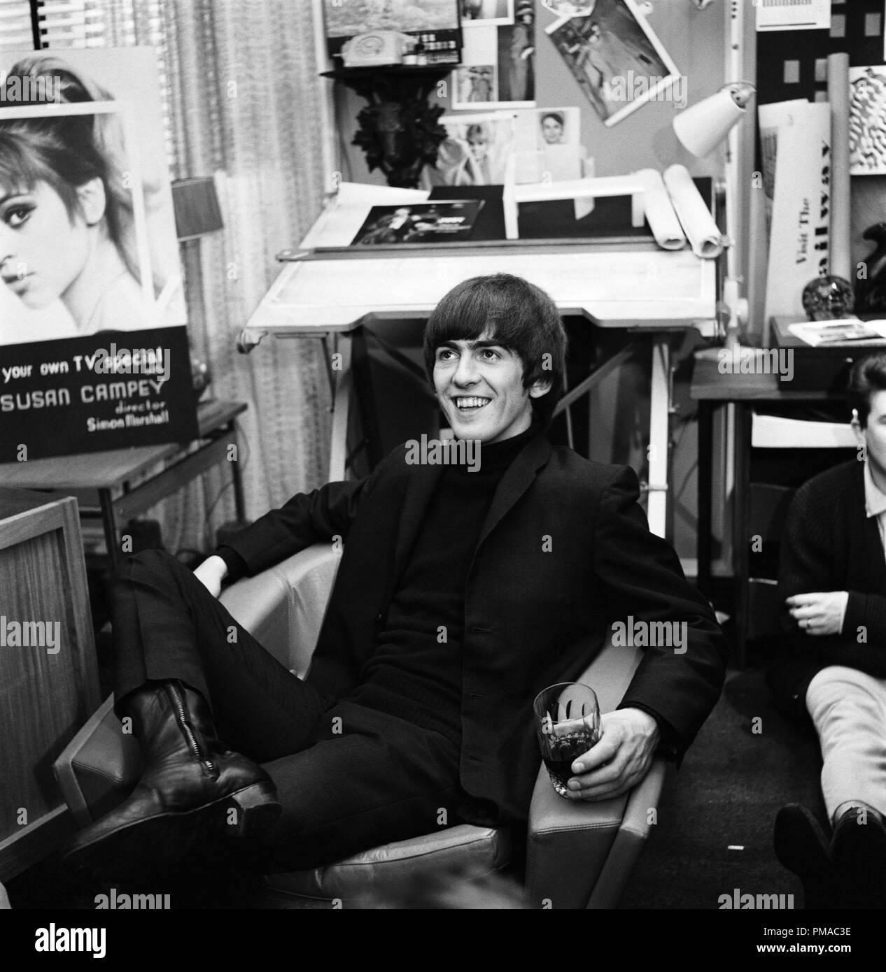 George Harrison stars in Richard Lester's A HARD DAY'S NIGHT, a Janus Films release.  File Reference # 32366_002THA - Stock Image