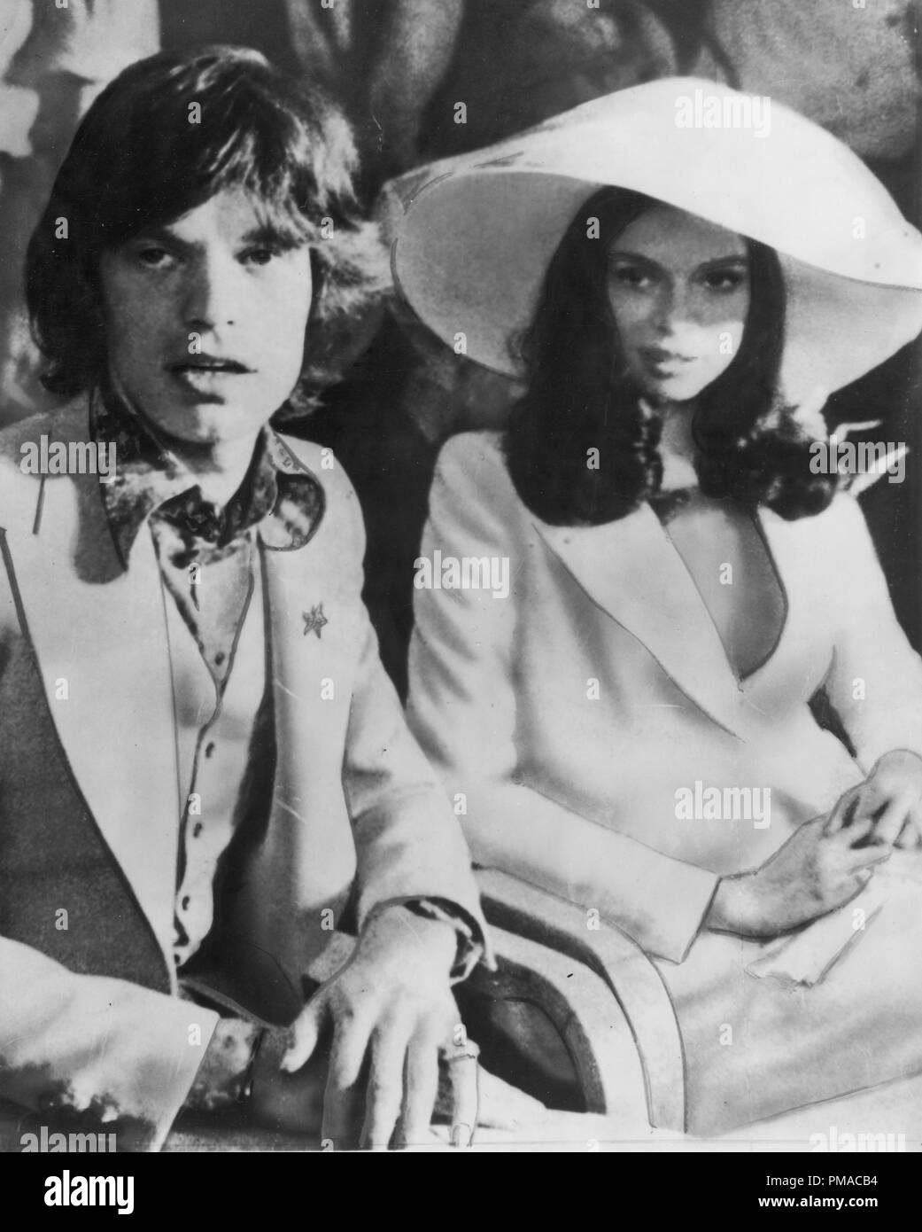 Mick Jagger and his bride Bianca Jagger during their wedding, 1971 © JRC /The Hollywood Archive - All Rights Reserved   File Reference # 32368_112THA - Stock Image