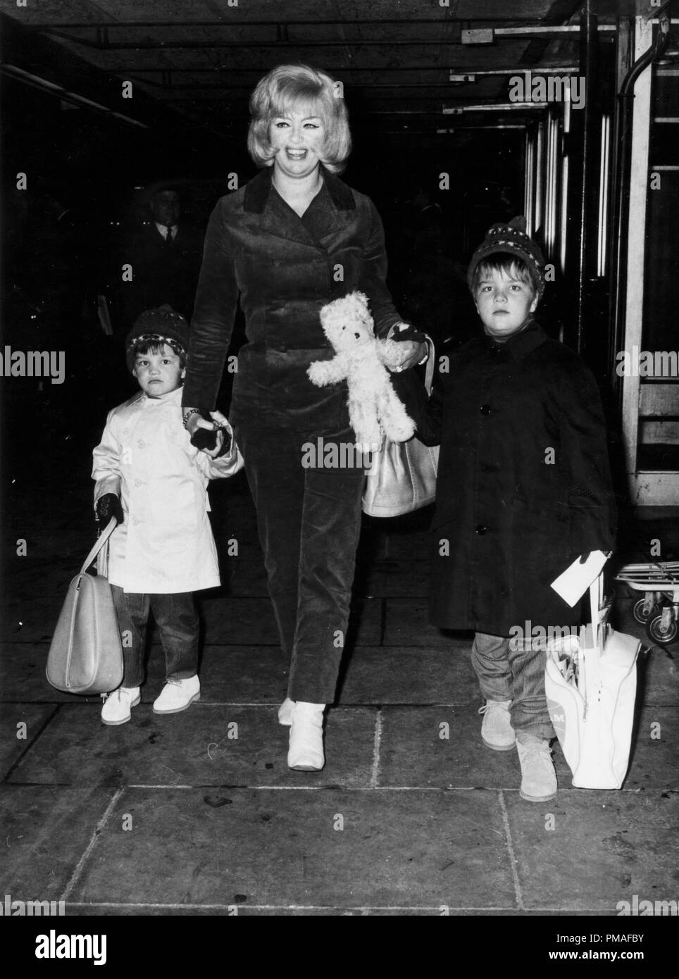 diana dors and her children mark and gary 1966 c jrc the hollywood archive all rights reserved file reference 32633 462tha stock photo alamy https www alamy com diana dors and her children mark and gary 1966 jrc the hollywood archive all rights reserved file reference 32633 462tha image219049151 html