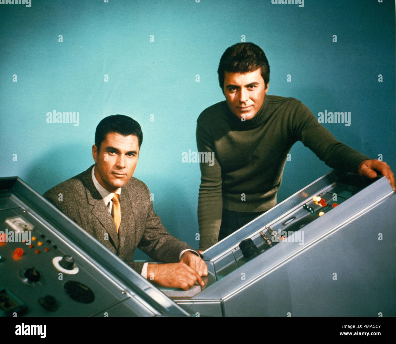 Robert Colbert and James Darren, 'The Time Tunnel' (1966-1967) ABC File Reference # 32733_002THA - Stock Image