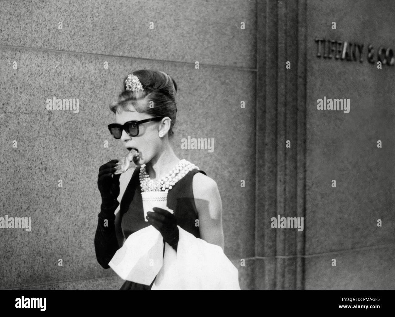 Audrey Hepburn, 'Breakfast at Tiffany's' 1961 ParamountFile Reference # 32733_058THA - Stock Image