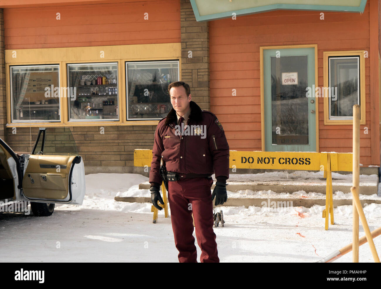 FARGO -- 'Before The Law' -- Episode 202 (Airs October 19, 10:00 pm e/p) Pictured: Patrick Wilson as Lou Solverson. - Stock Image