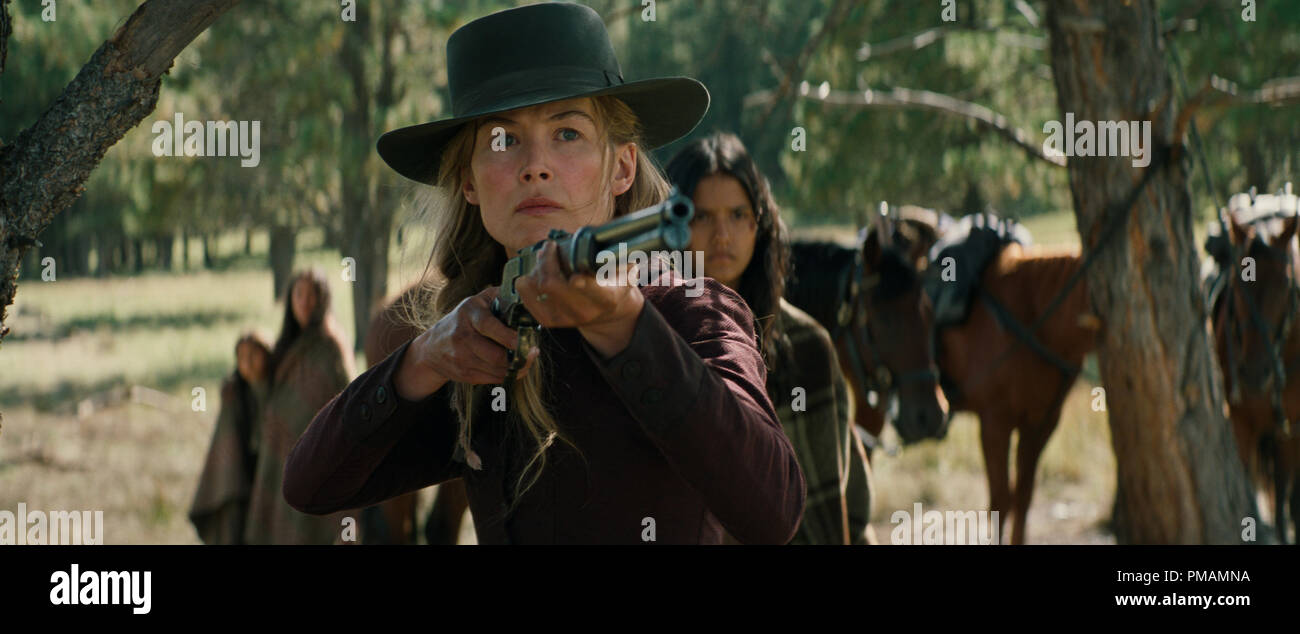 Rosamund Pike and Tanaya Beatty in Hostiles (2017) Entertainment Studios Motion Pictures - Stock Image