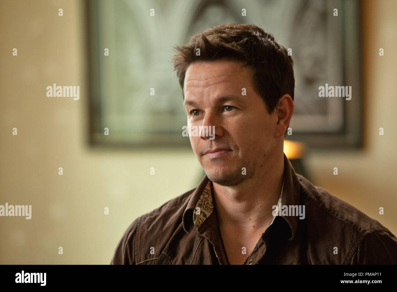 MARK WAHLBERG as U.S. naval intelligence officer Marcus 'Stig' Stigman in '2 Guns' - Stock Image