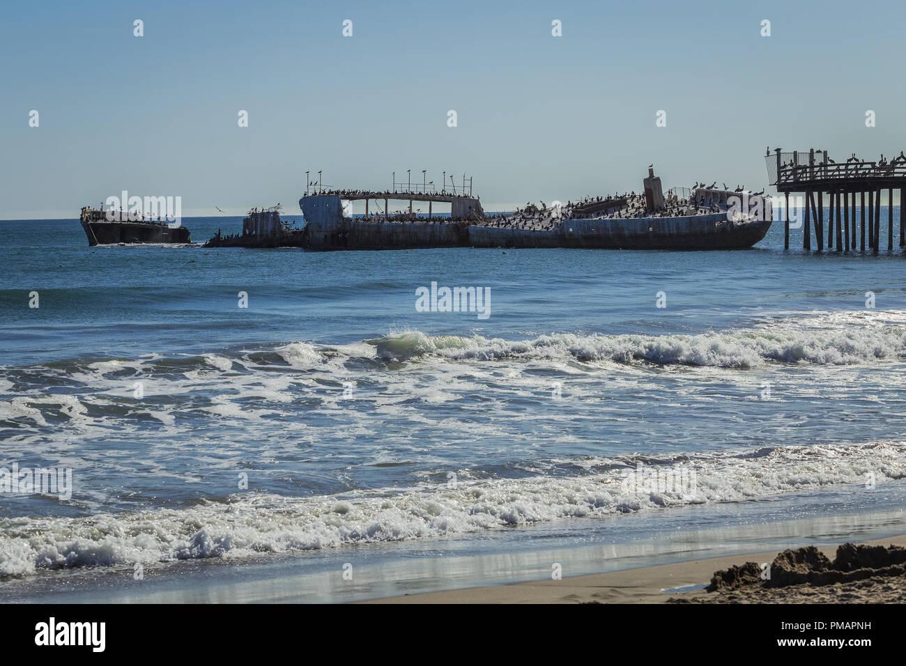 SS Palo Alto ship wreck, Seacliff Beach in Aptos, California, USA - Stock Image