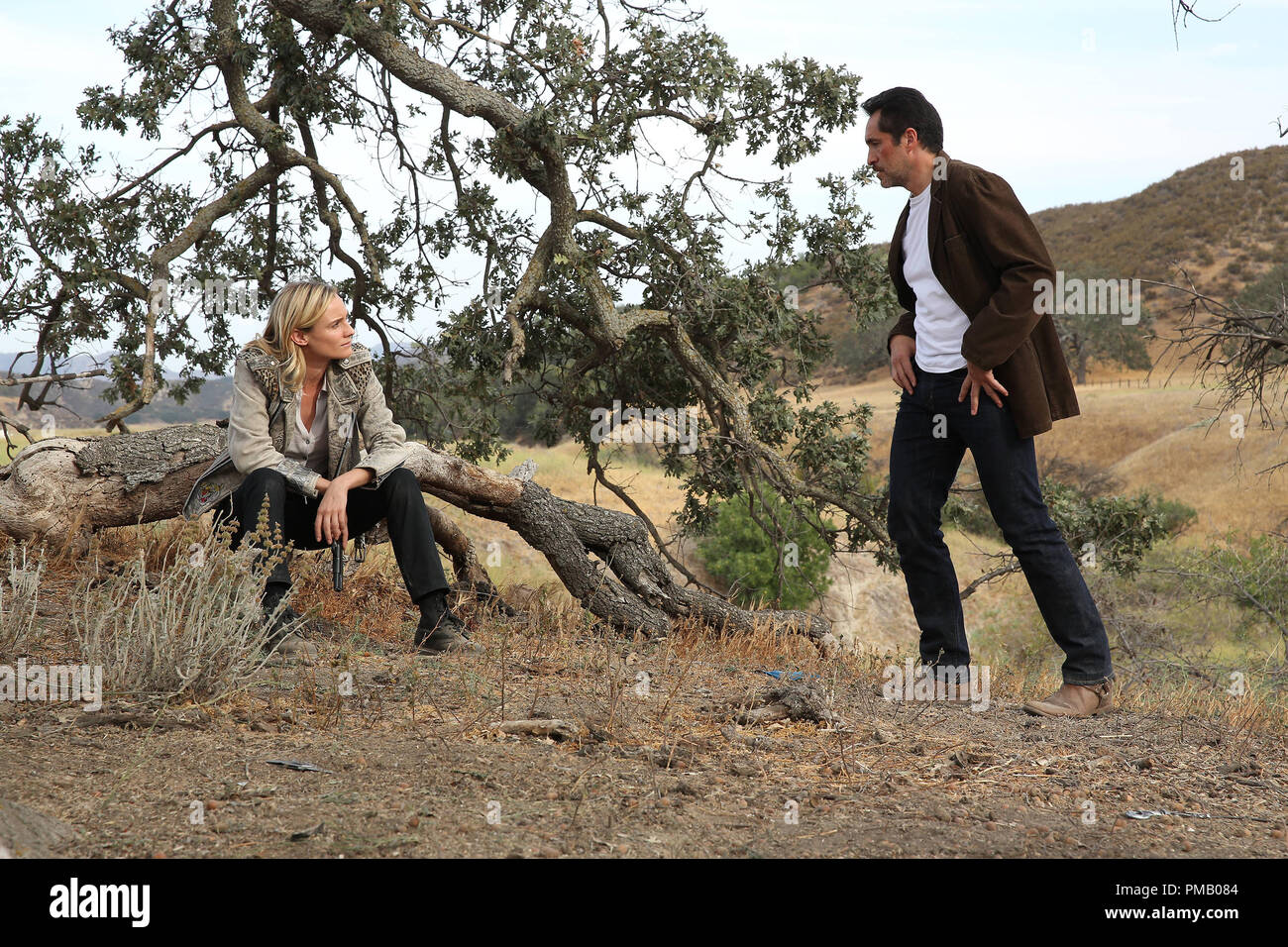THE BRIDGE - 'Jubilex' - Episode 13 (Airs; Wednesday, October 1, 10:00 pm e/p) Pictured: (L-R) Diane Kruger as Sonya Cross, Demian Bichir as Marco Ruiz. CR: Byron Cohen/FX Network - Stock Image