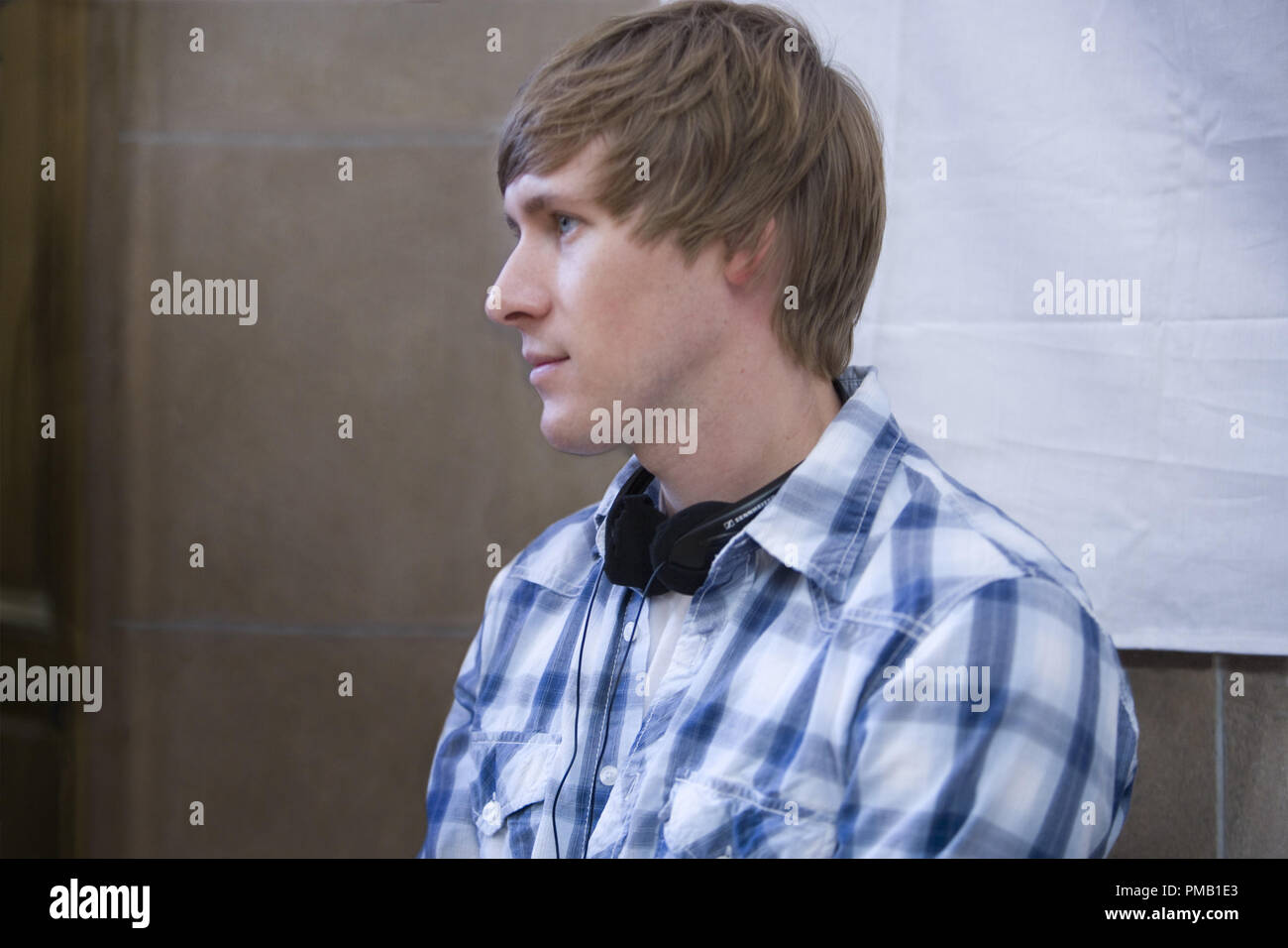"""Screenwriter Dustin Lance Black on the set of director Gus Van Sant's MILK, a Focus Features release  """"Milk"""" (2008) Focus Features Stock Photo"""