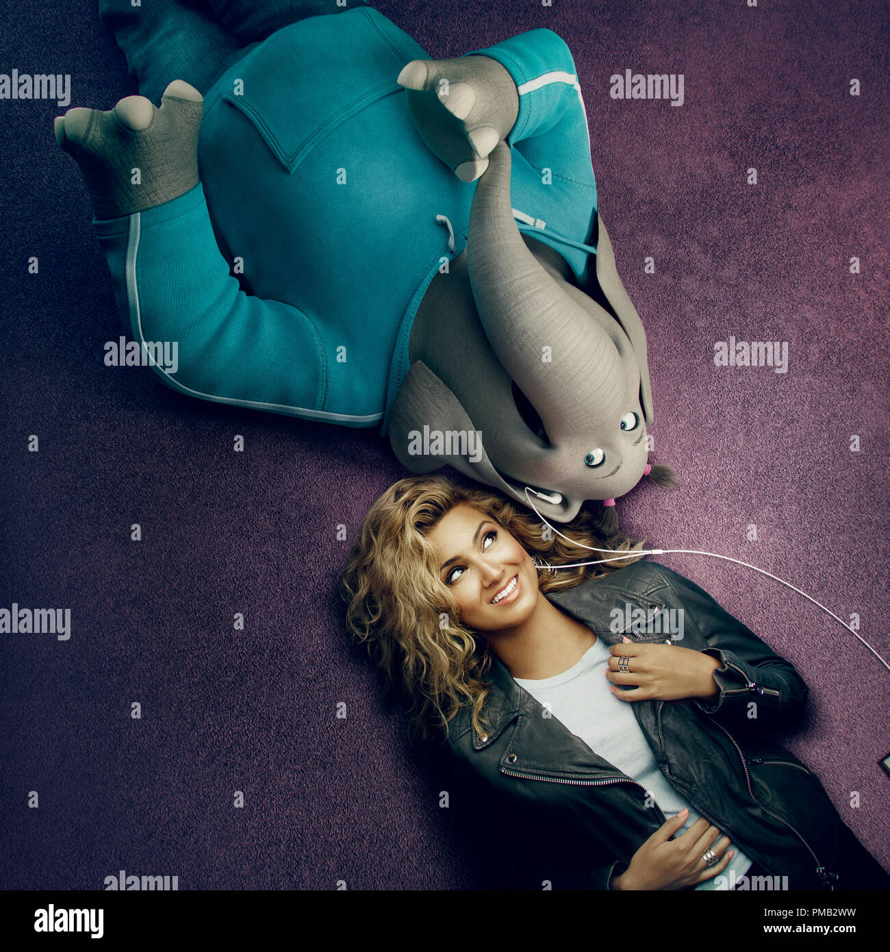 """TORI KELLY appears with her character, Meena, from the event film """"Sing,"""" from Illumination Entertainment and Universal Pictures. (2016) - Stock Image"""