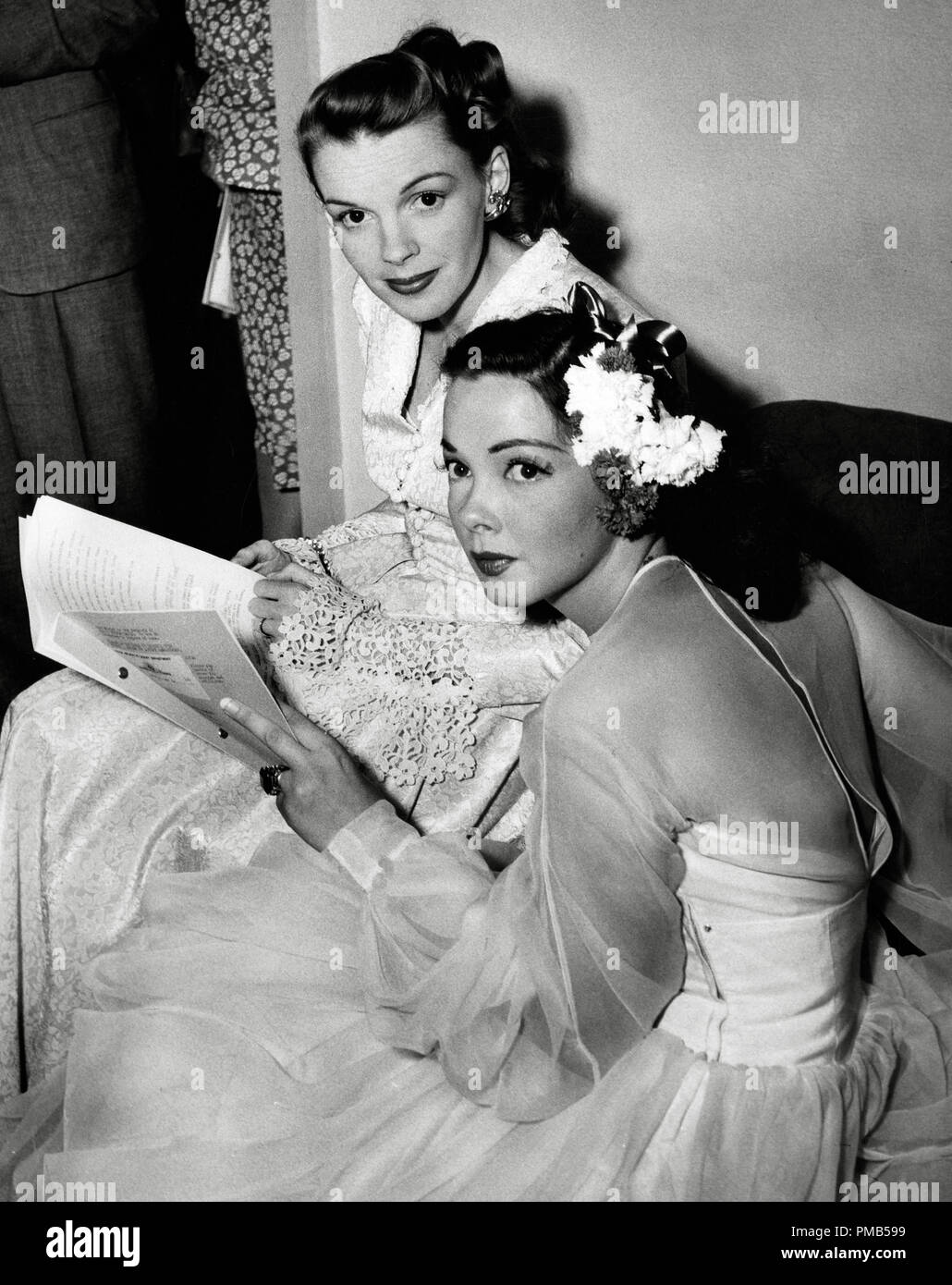 Judy Garland and Kathryn Grayson backstage at the Hollywood Bowl for the Jerome Kern Memorial Night 1946    File Reference # 33536_439THA - Stock Image