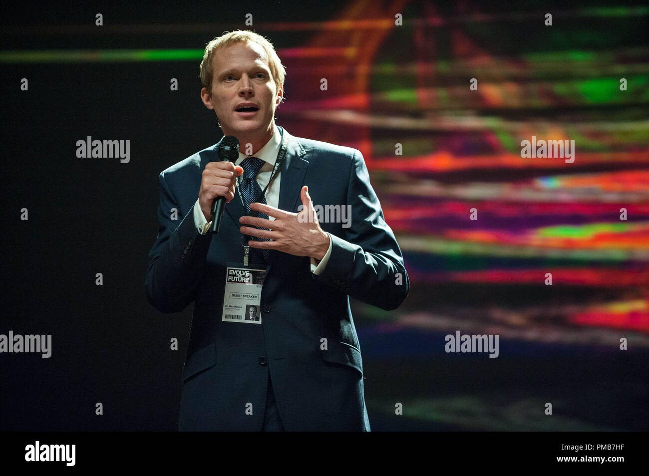 PAUL BETTANY as Max Waters in Alcon Entertainment's sci-fi thriller 'TRANSCENDENCE,' a Warner Bros. Pictures release. - Stock Image