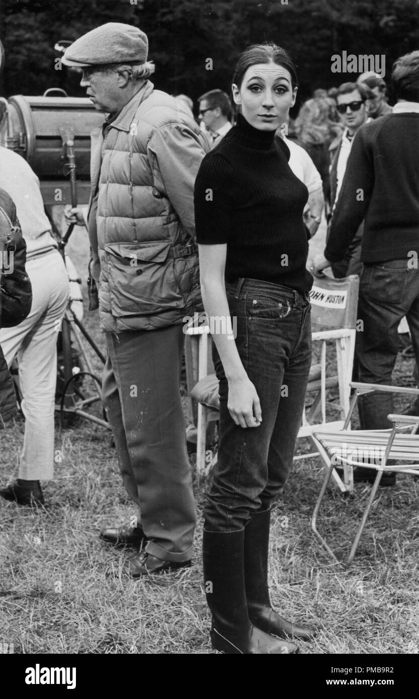 John Huston and Anjelica Huston in Ireland during the making of 'Sinful Davey', 1967  File Reference # 32557_934THA - Stock Image
