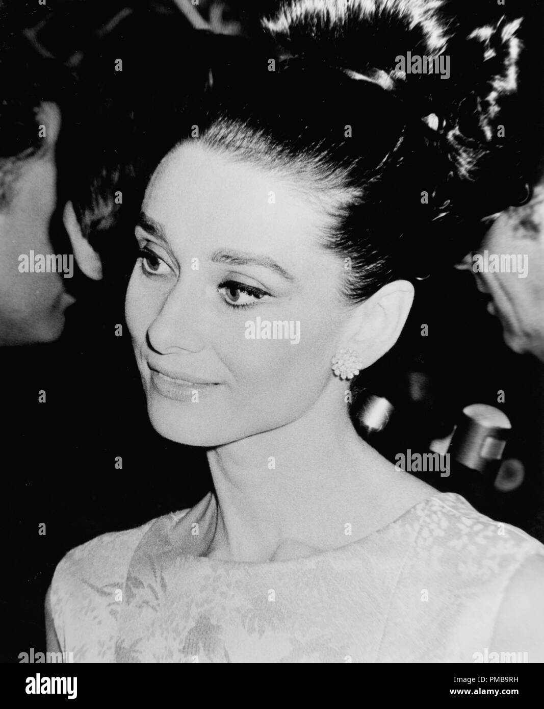 Audrey Hepburn at the premiere of 'My Fair Lady' 1964  File Reference # 32557_948THA - Stock Image